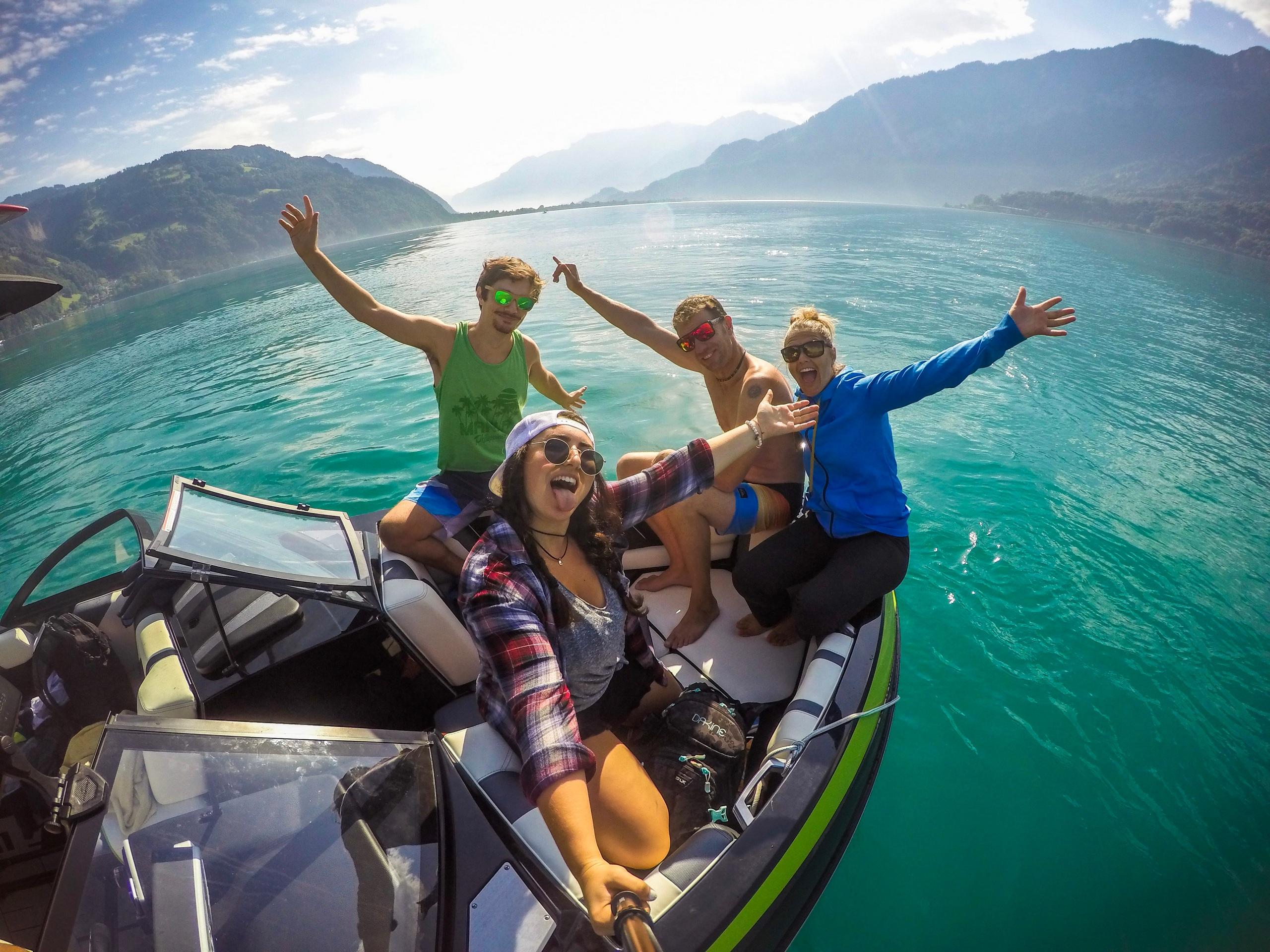 mountainsurf-thunersee-wassersport-motoboot-sommer-wakeboarding