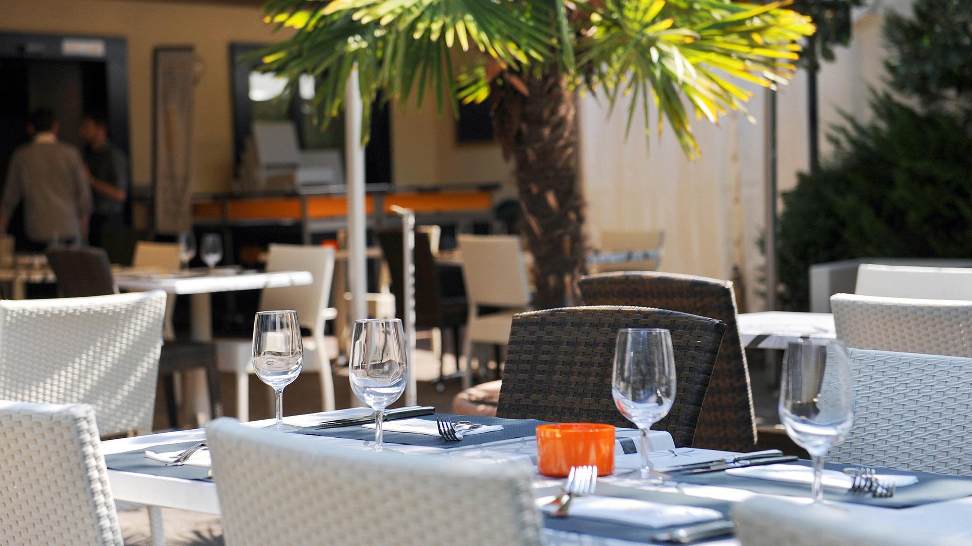 hotel-alpha-thun-terrasse-fruehling