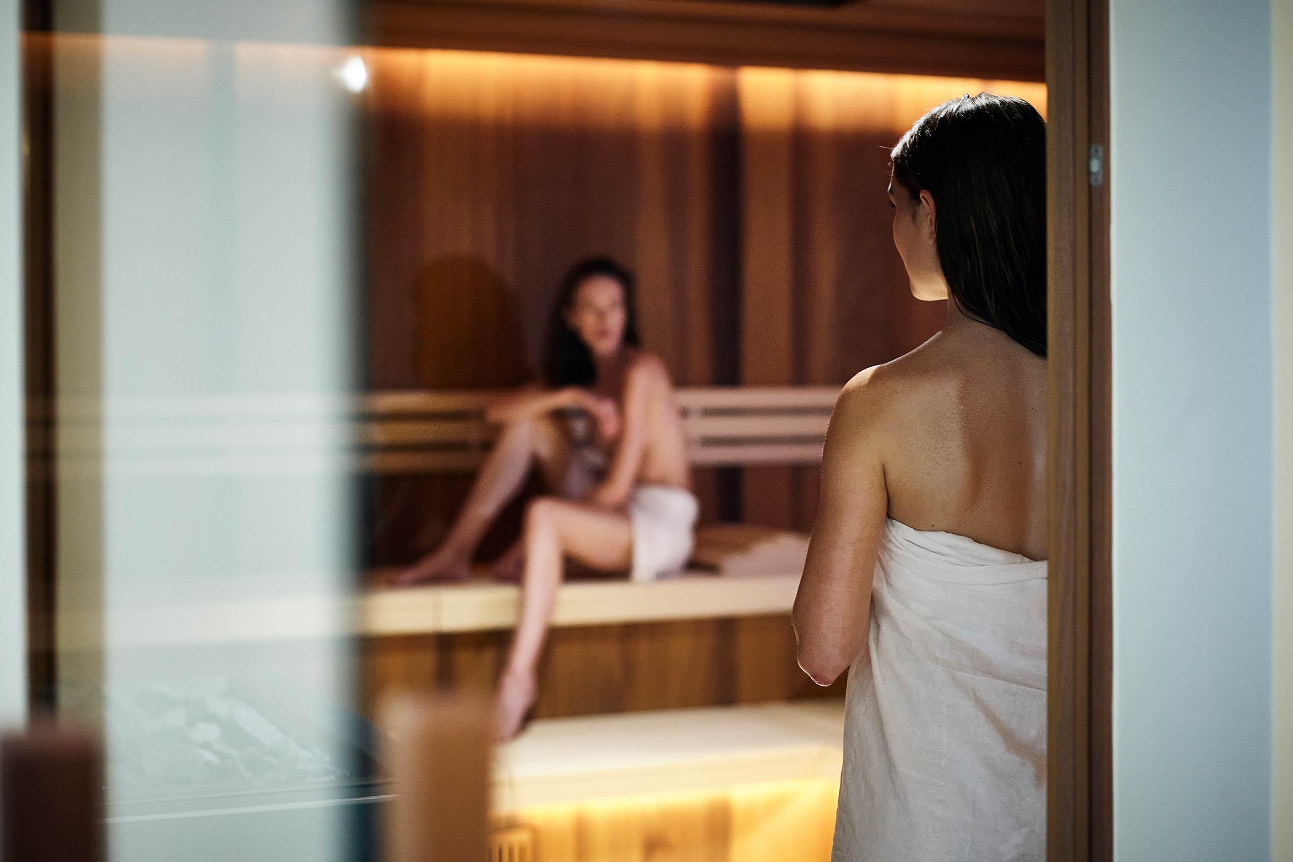 spiez-belvedere-wellness-oase-sauna.jpg