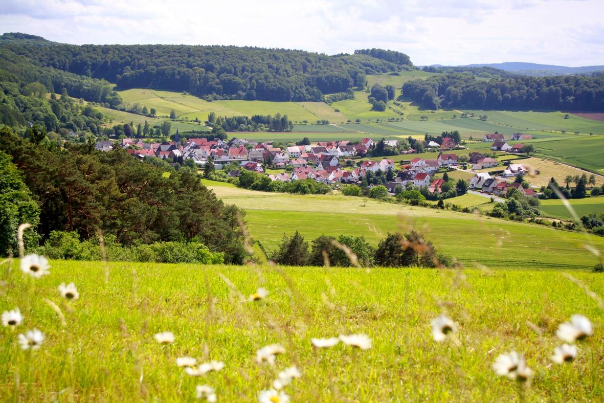 Blick auf Ostheim am Eco Pfad Muschelkalk