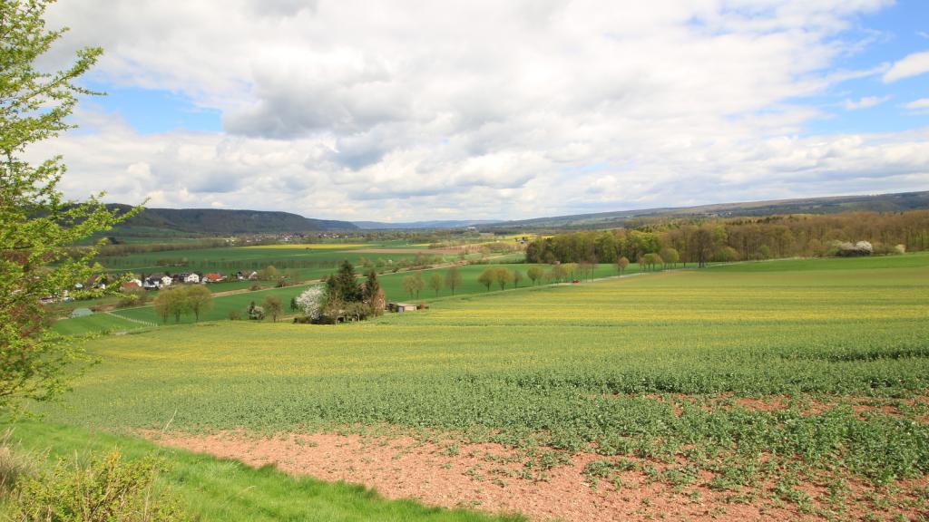 Blick vom Kniggen ins Tal der Weser