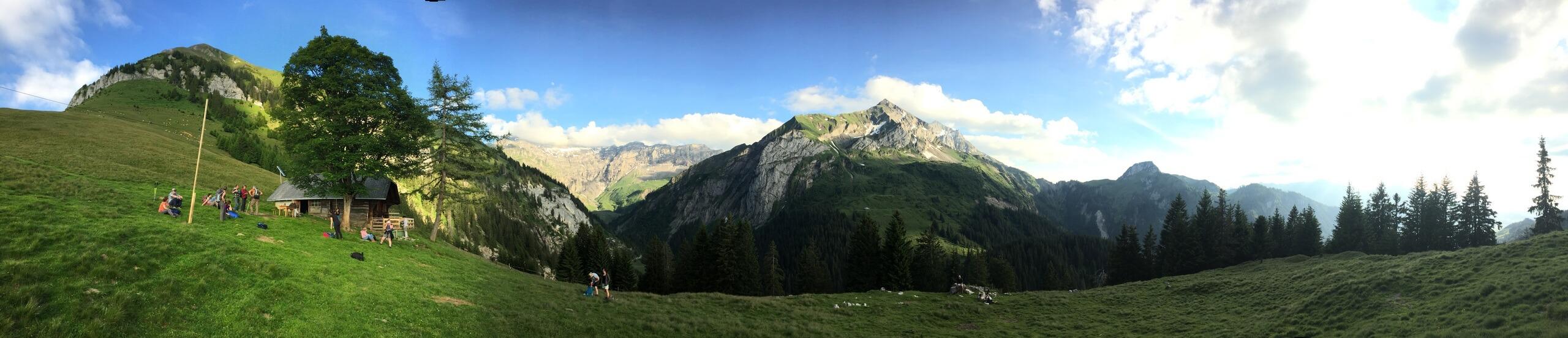 aeschi-alp-brunni-sommer-panorama