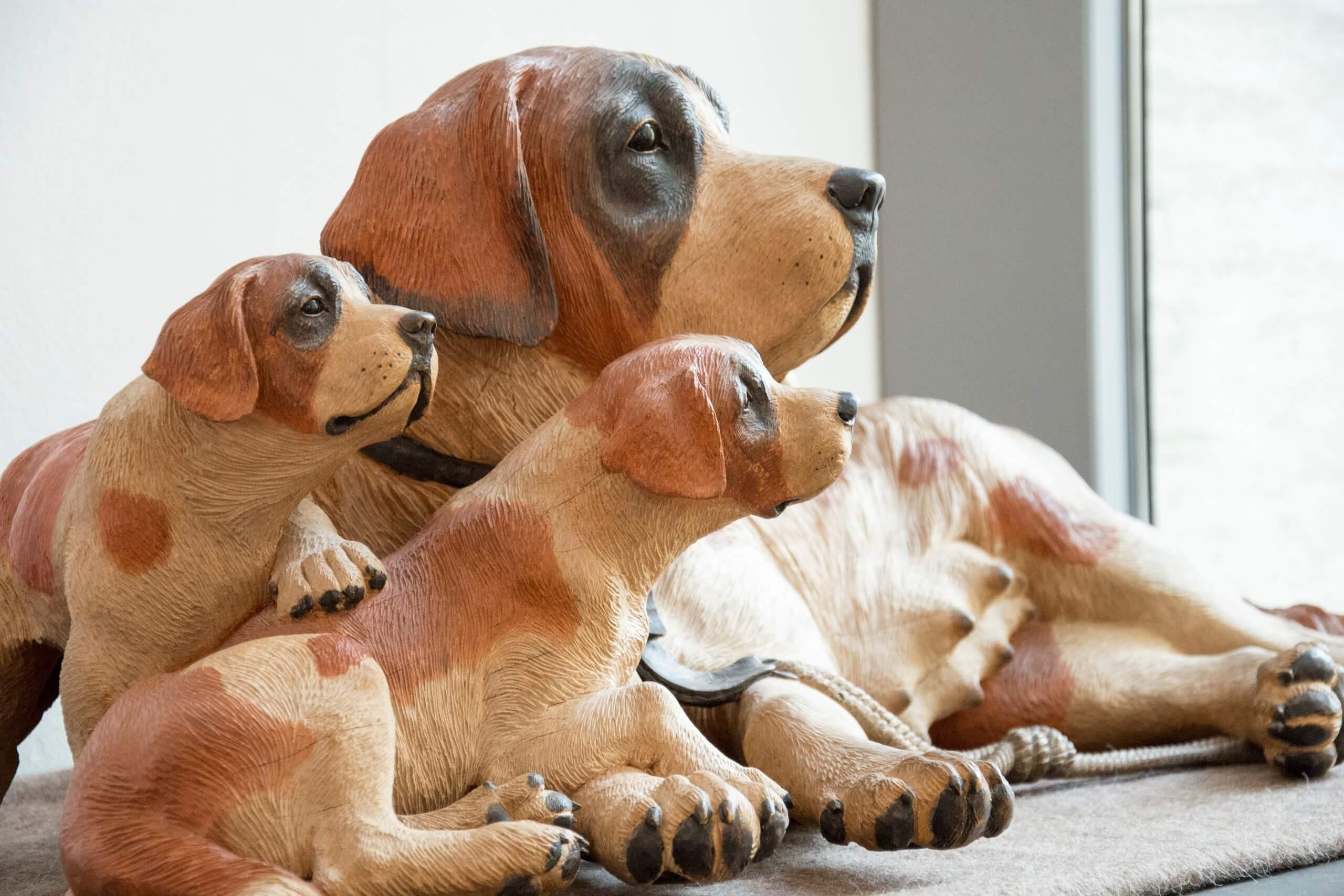 brienz-museum-holzbildhauerei-ausstellung-hund