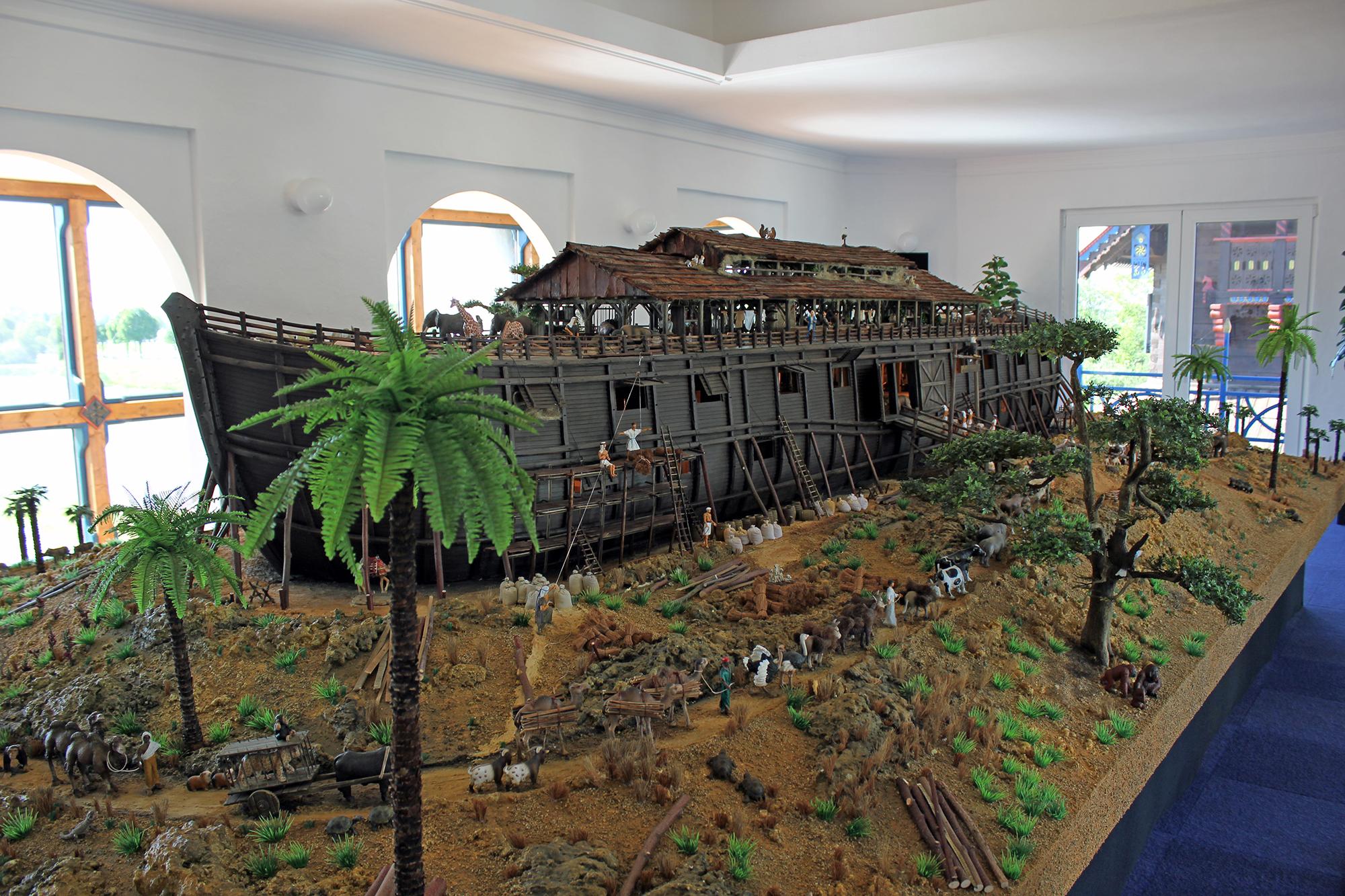 Modell der Arche Noah im Glocken-Palast