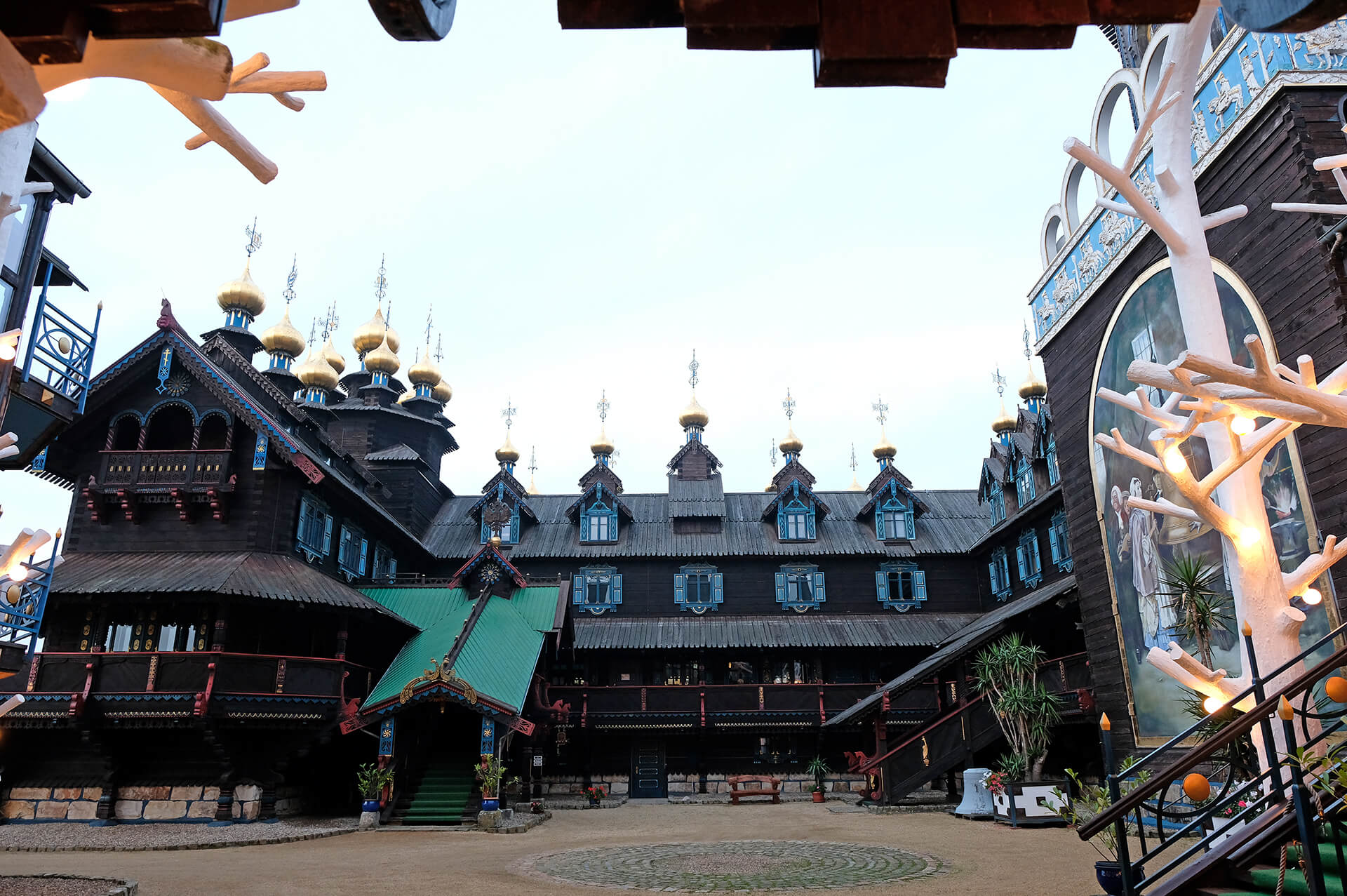 Innenhof des Glocken-Palasts