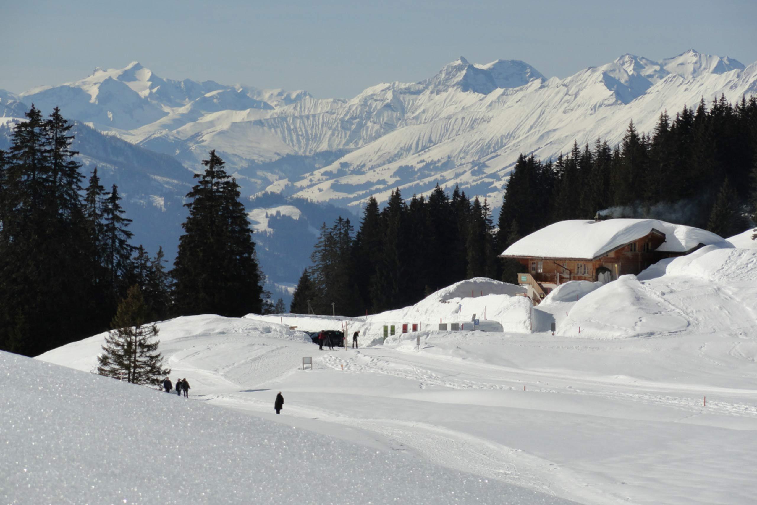 jaegerstuebli-lombachalp-winter-schnee-sonne.jpg