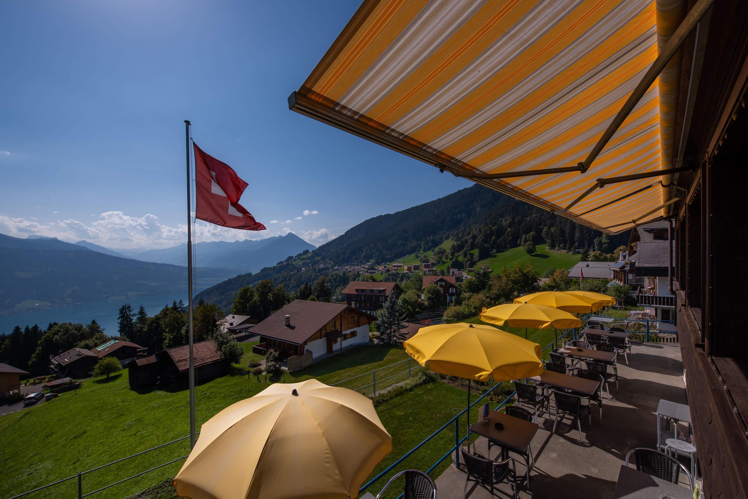 beausite-beatenberg-terrasse-aussicht-niesen