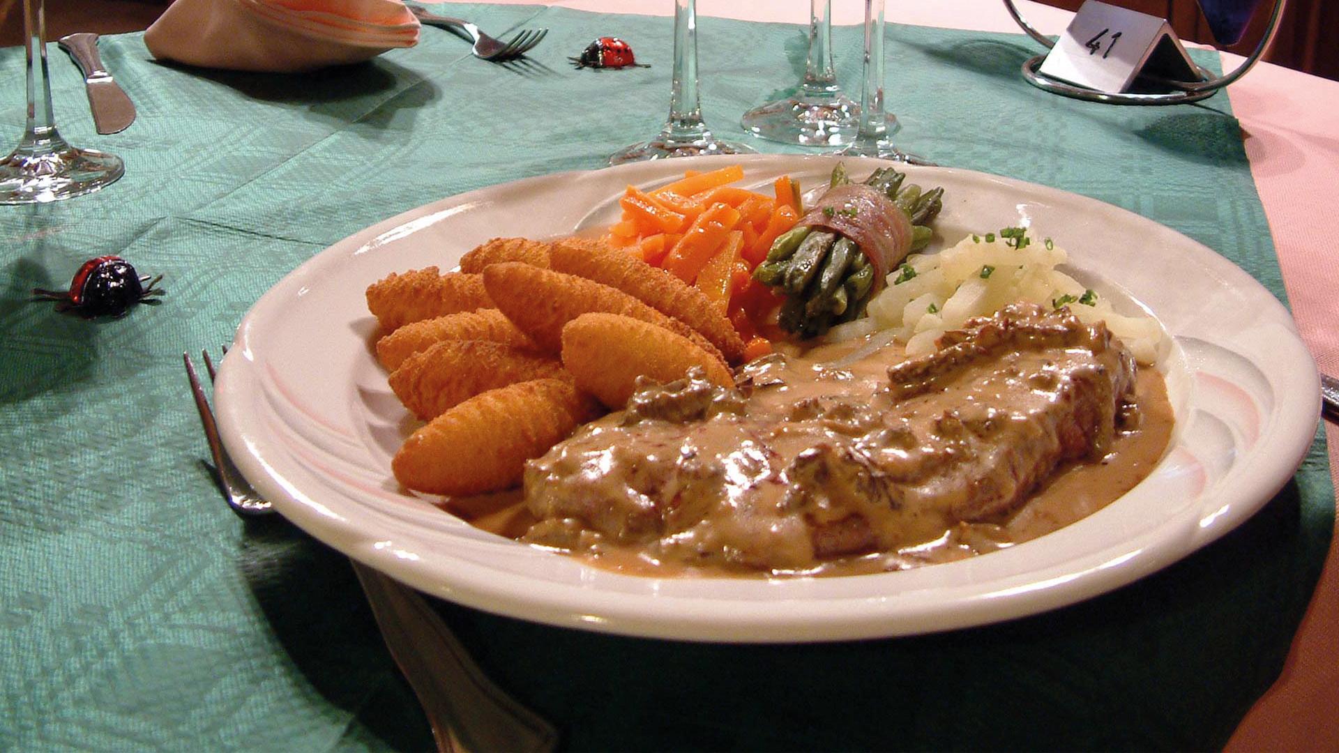 regina-restaurant-gericht-hauptgang