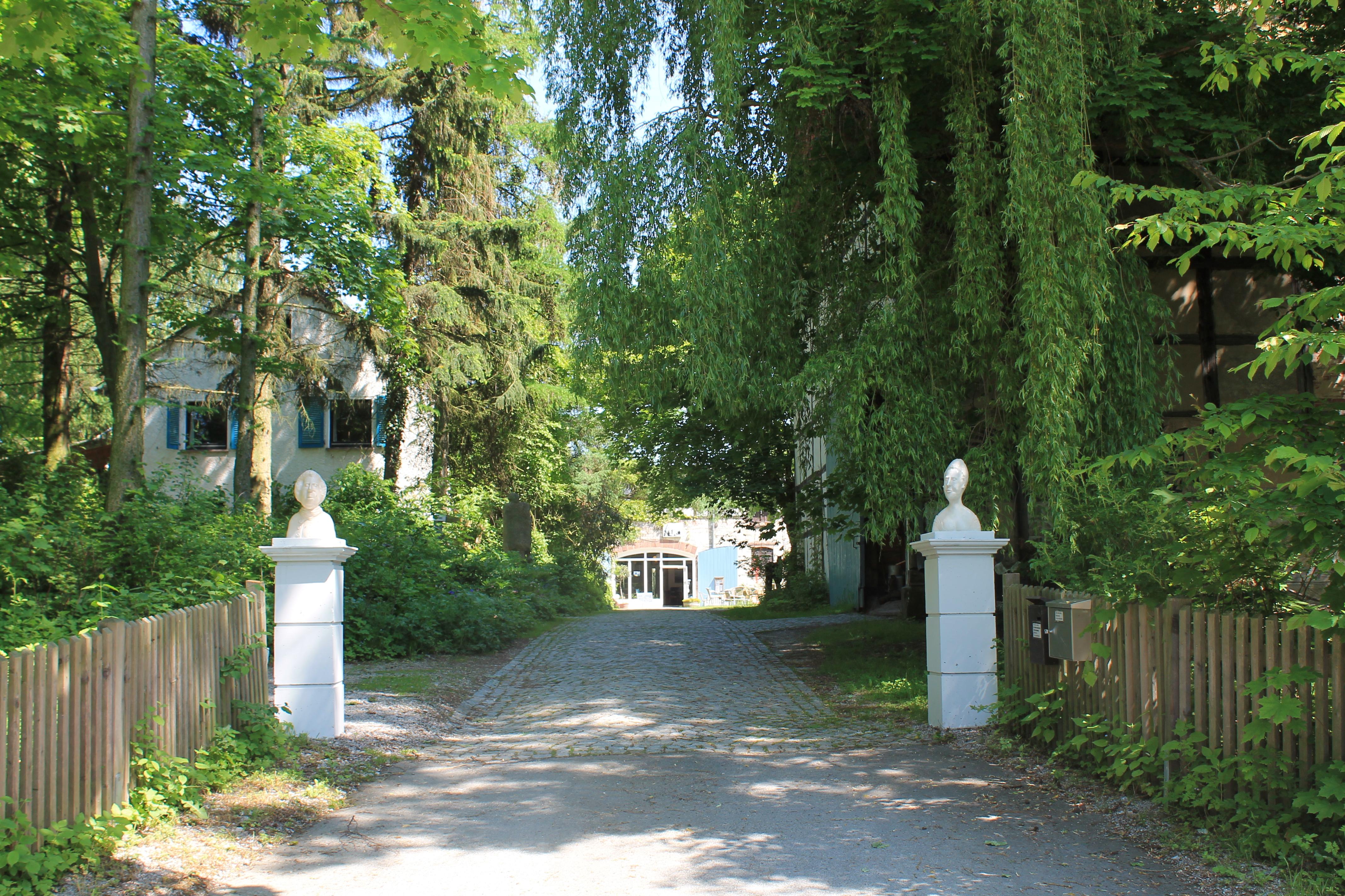 Klosterhof Brunshausen - Eingang zum Hof