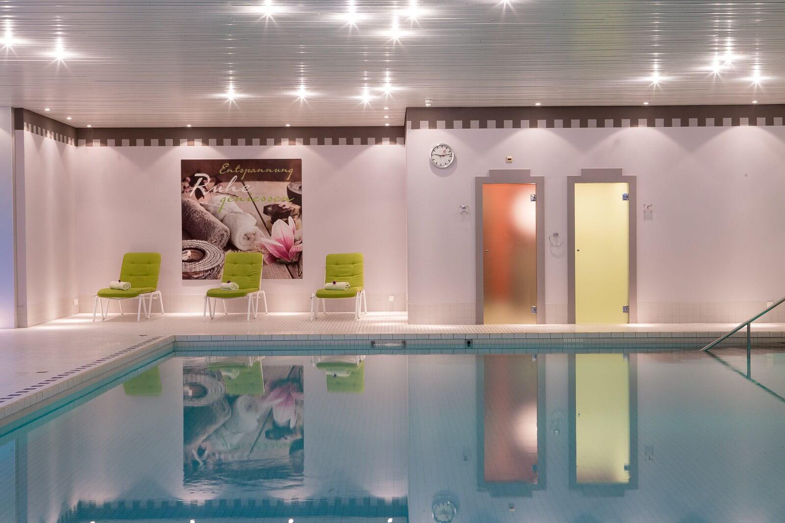 interlaken-clarins-beauty-center-pool-innen