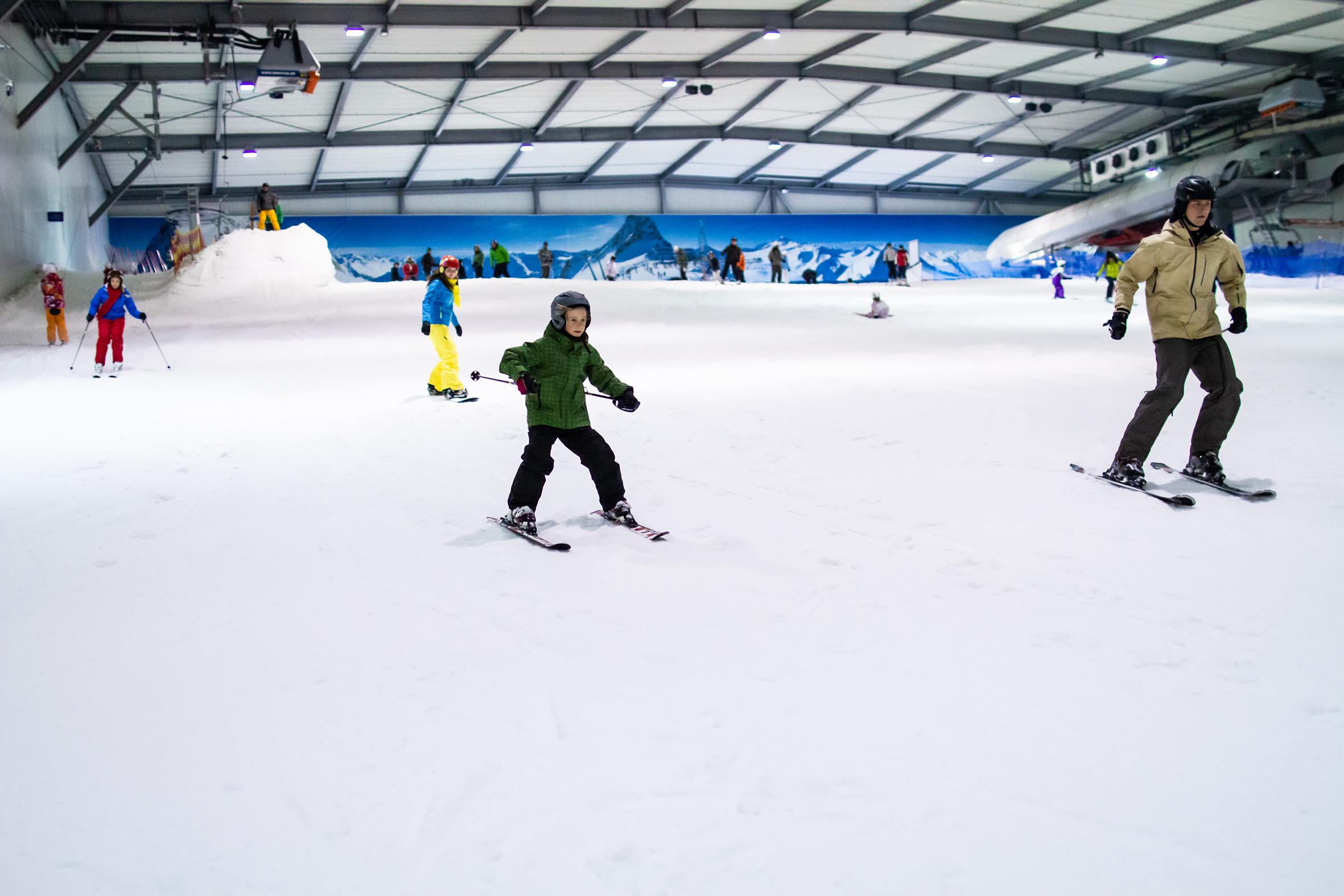 snow-dome-skifahren