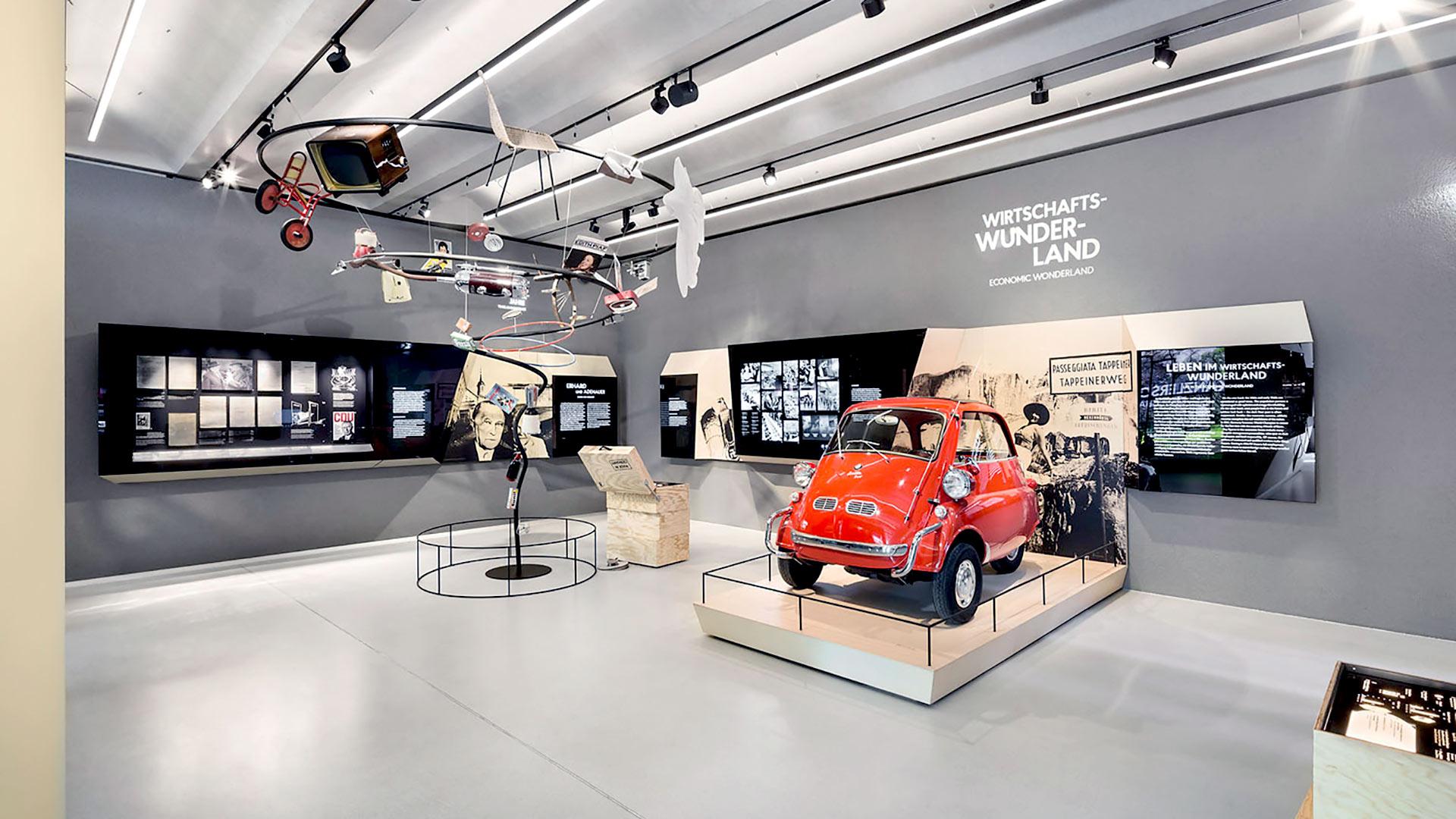 Ausstellung im Neubau