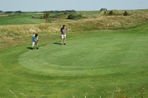 freizeit_sport/ballsport/spo-golfplatz-68.jpg