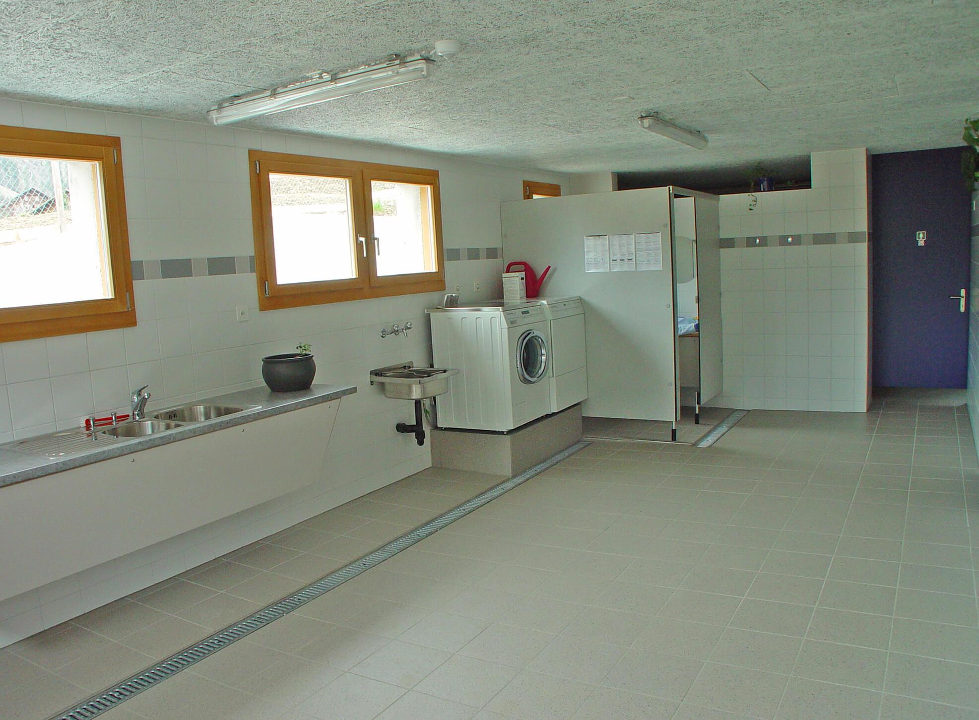 Infrastruktur Waschmaschine Waschbecken