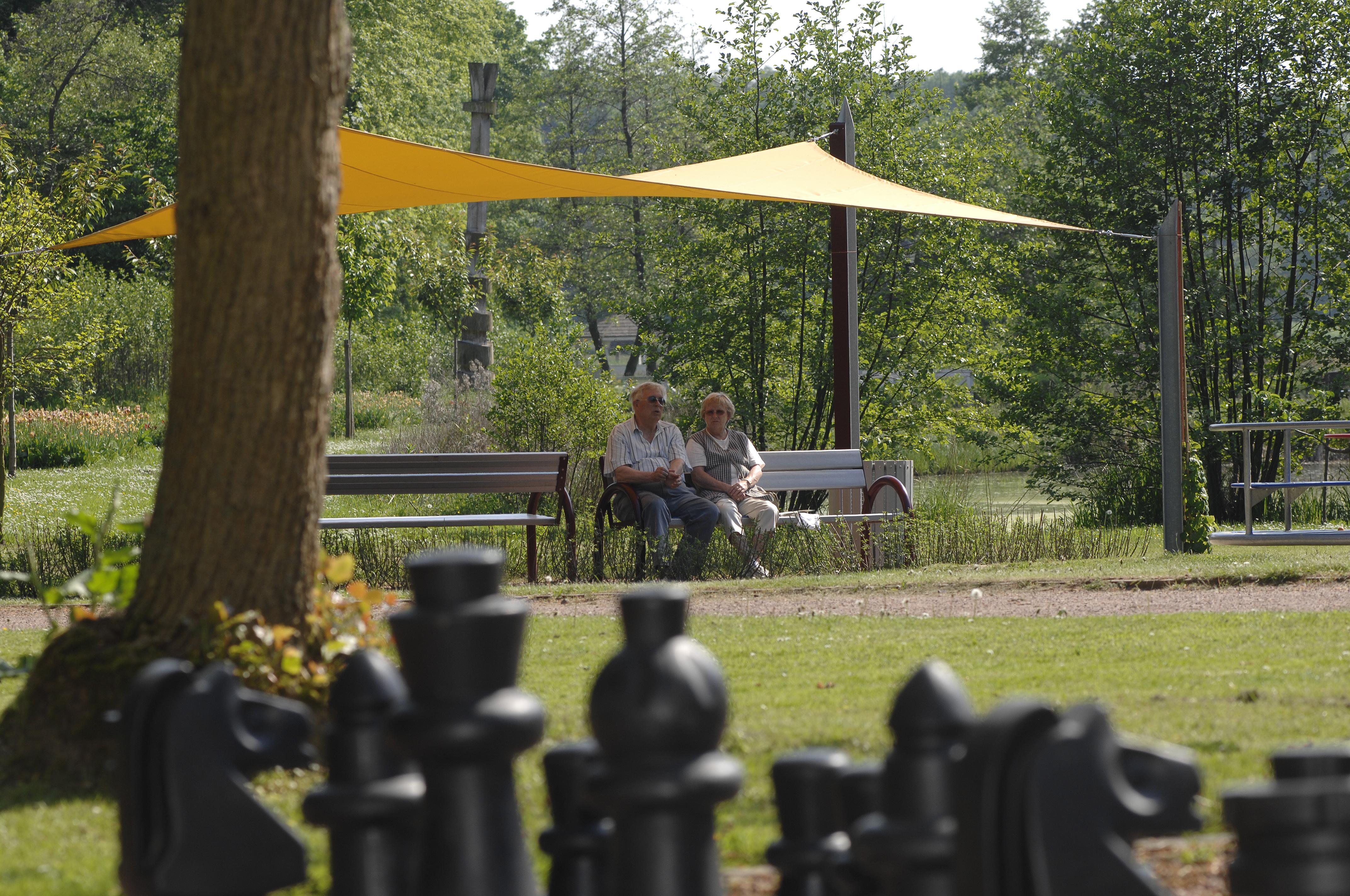 Schatten- und Charakterplatz im Kurpark
