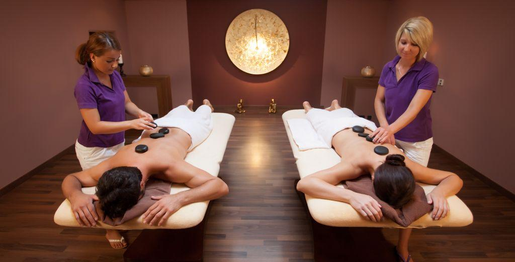 VitaSol Therme: Hot-Stone-Massage für 2 Personen im AsiaSpa