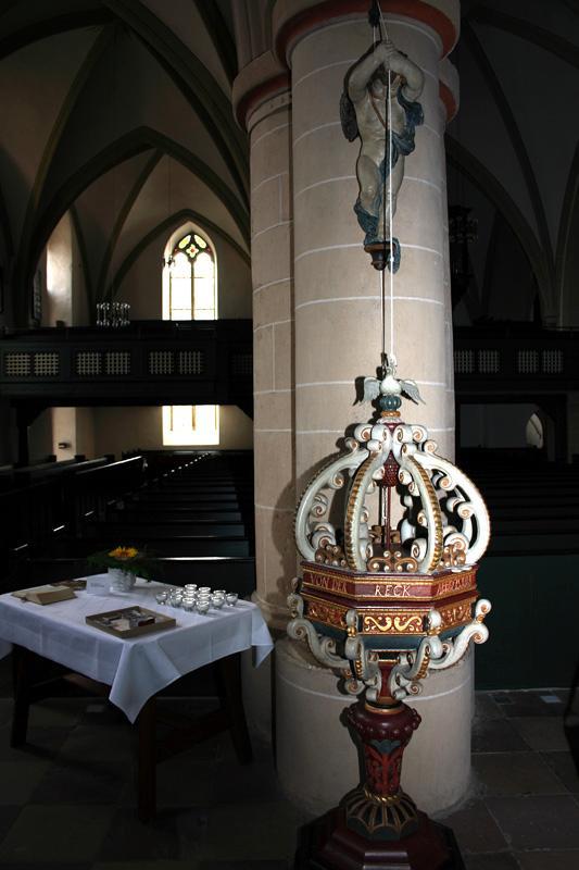 Stiftskirche Levern Taufständer mit Deckelhochzieher, 1684
