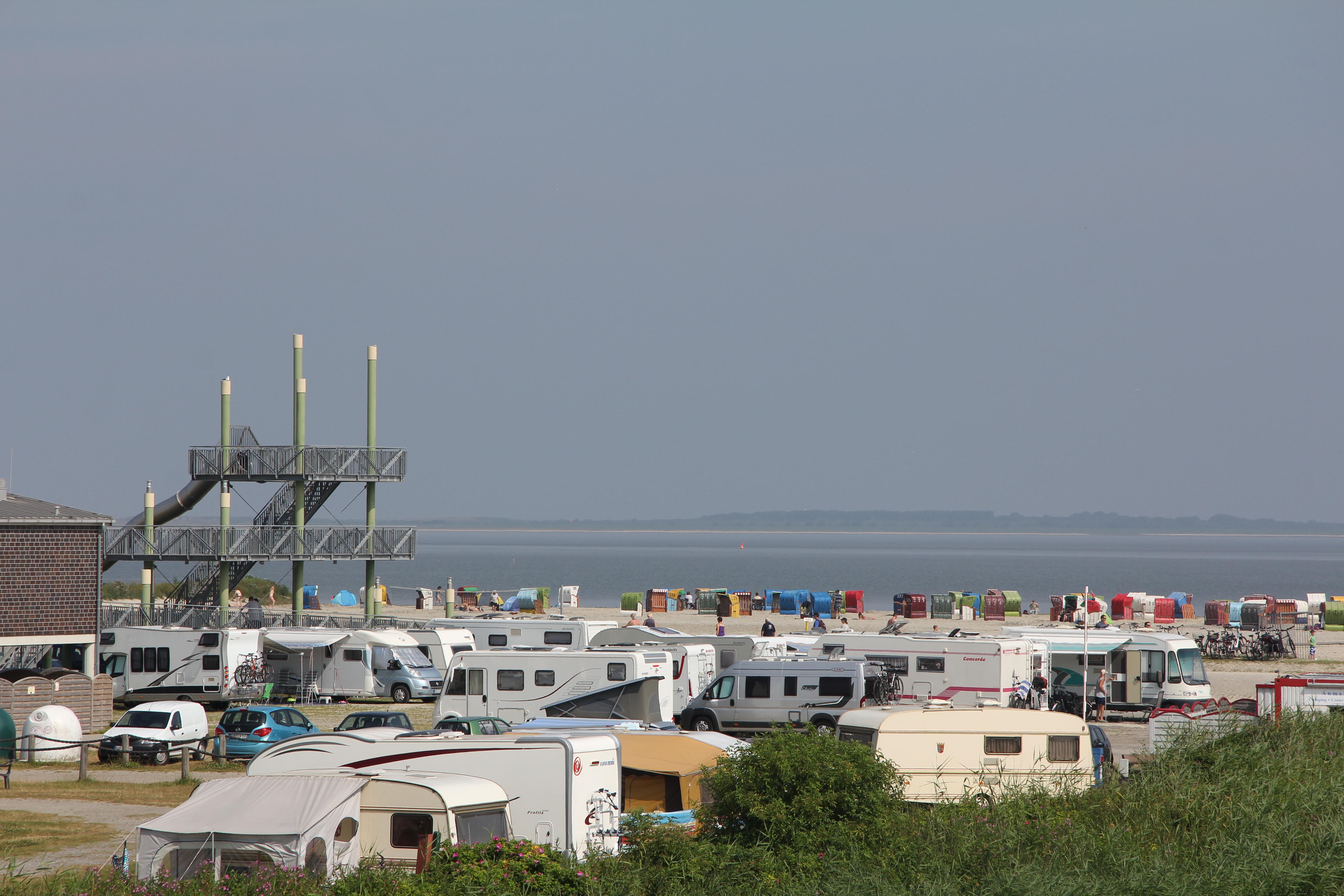Aussichtsturm der Barke am Strand Dornumersiel