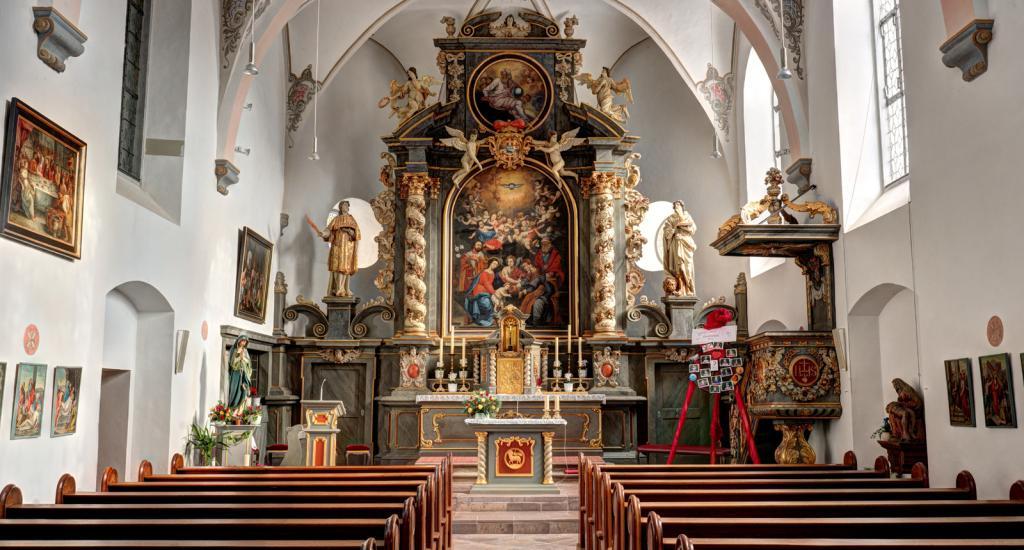Kirche in Wehrden innen