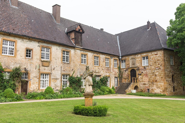 Teil der Klosteranlage Herzebrock mit Blick auf den Eingang des Heimatmuseums