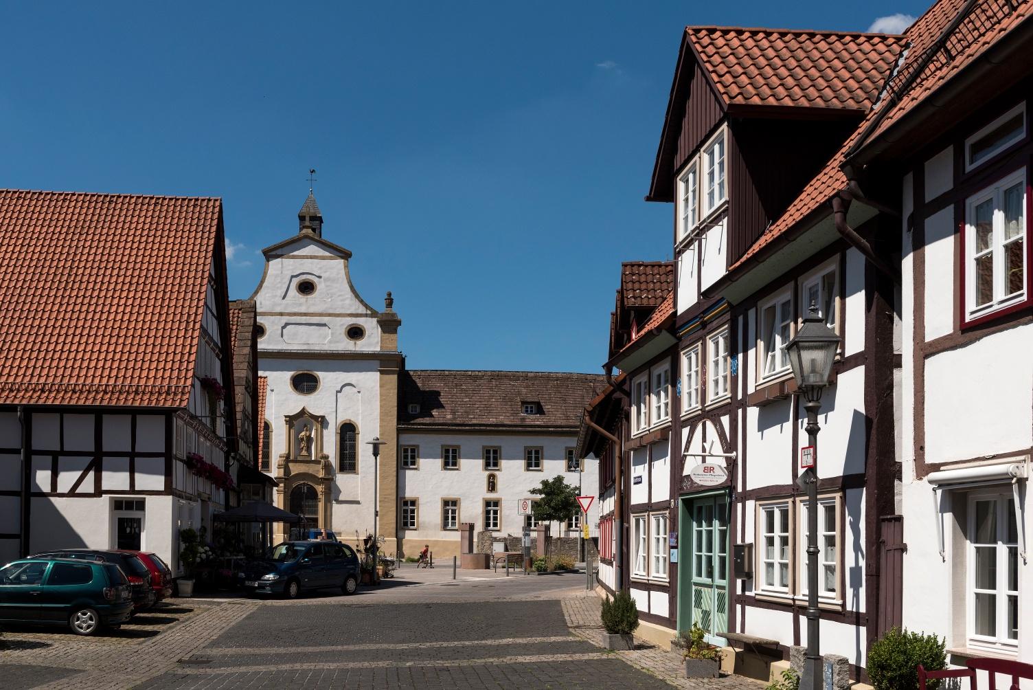 ehemaliges Franziskanerkloster und Fachwerk in Lügde