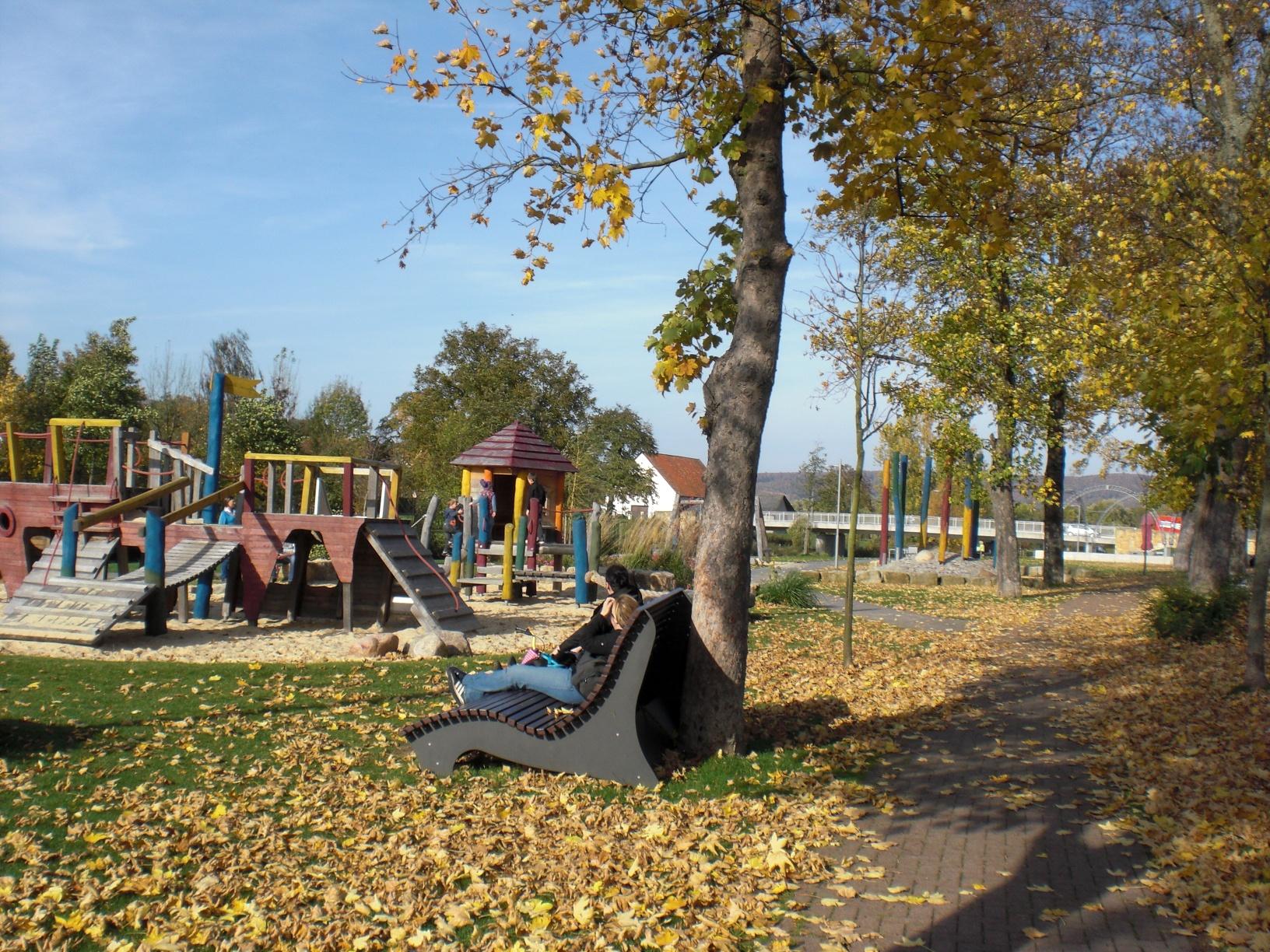 Emmerauenpark im Herbst