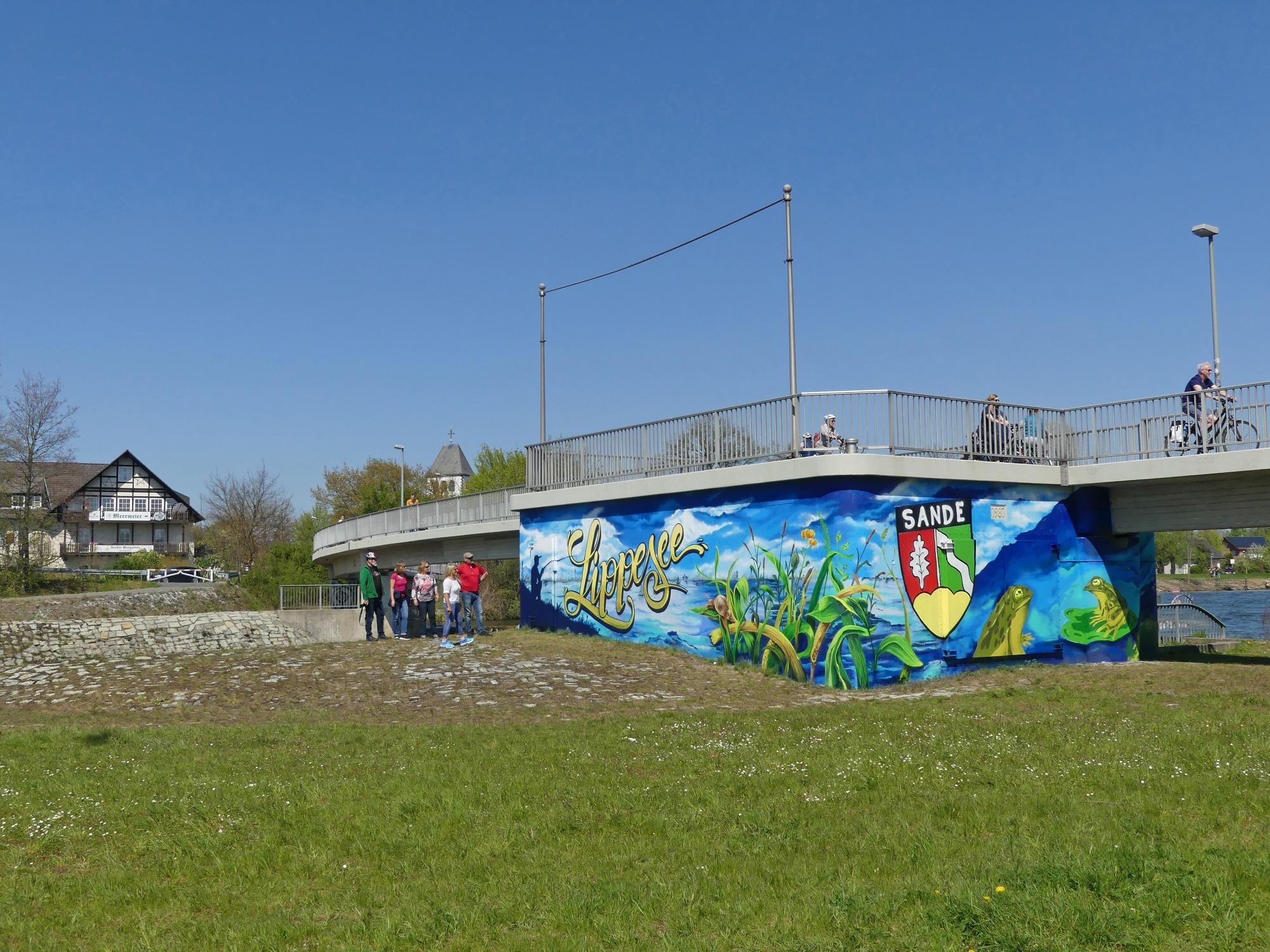 Graffiti am ehemaligen Kraftwerk bei der Fußgängerbrücke