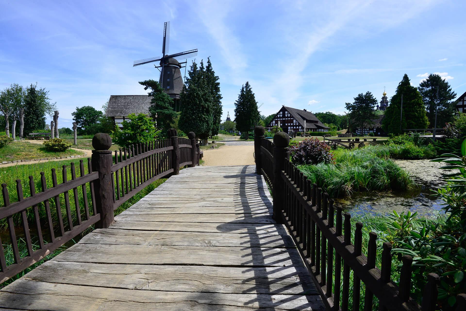 Blick auf den Niedersachsenplatz im Mühlenmuseum Gifhorn