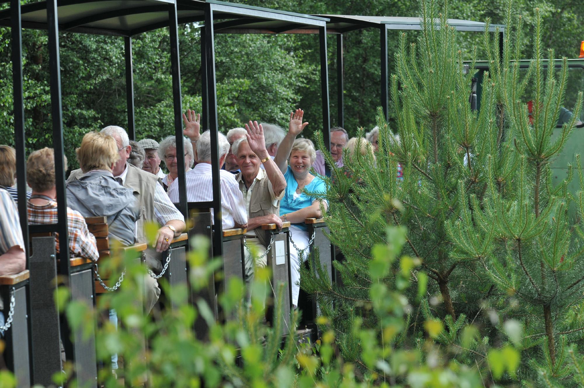 Gruppe auf Moorbahntour ins Große Moor in Westerbeck