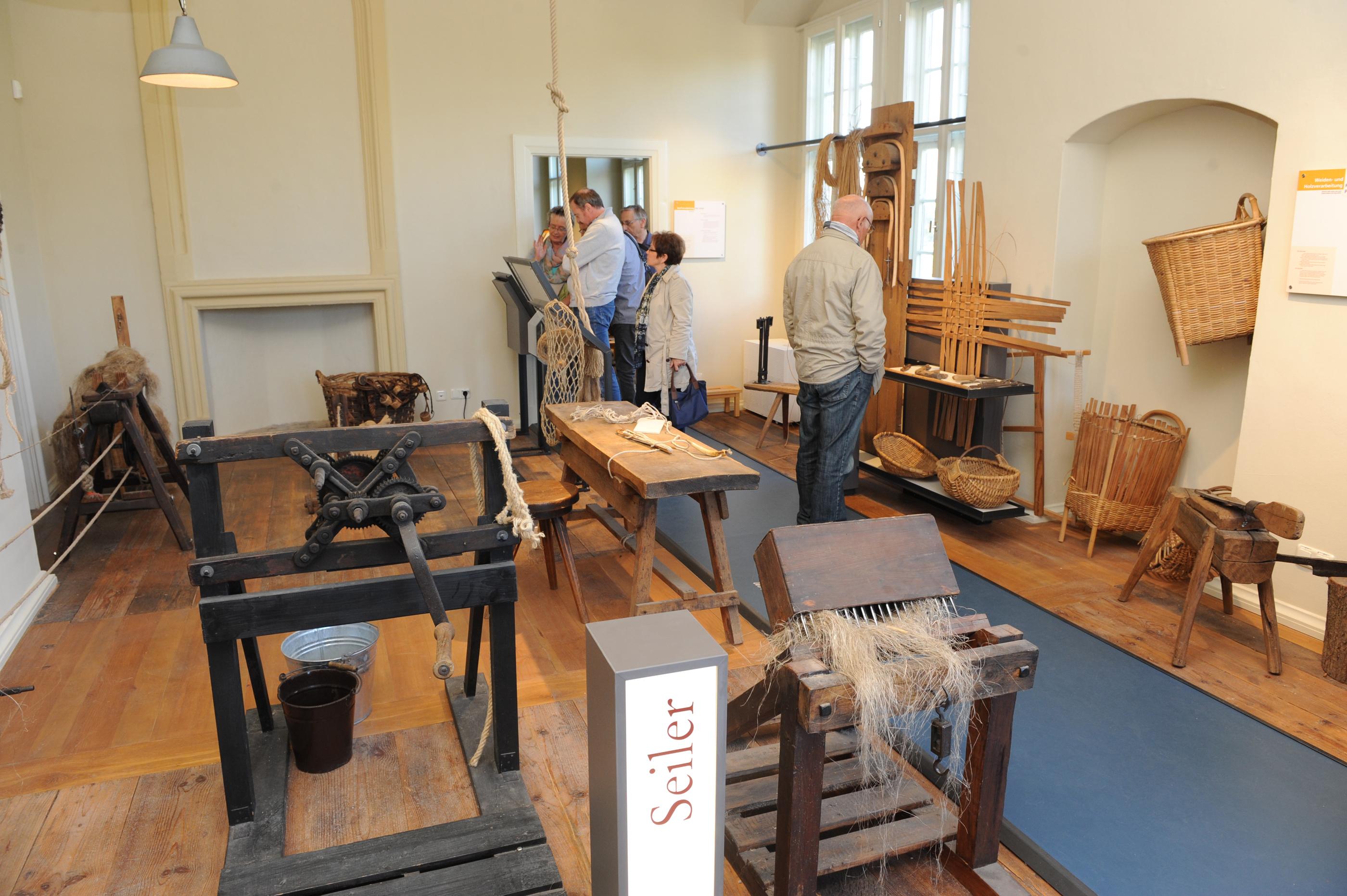 Seilerei im Museum Burg Brome