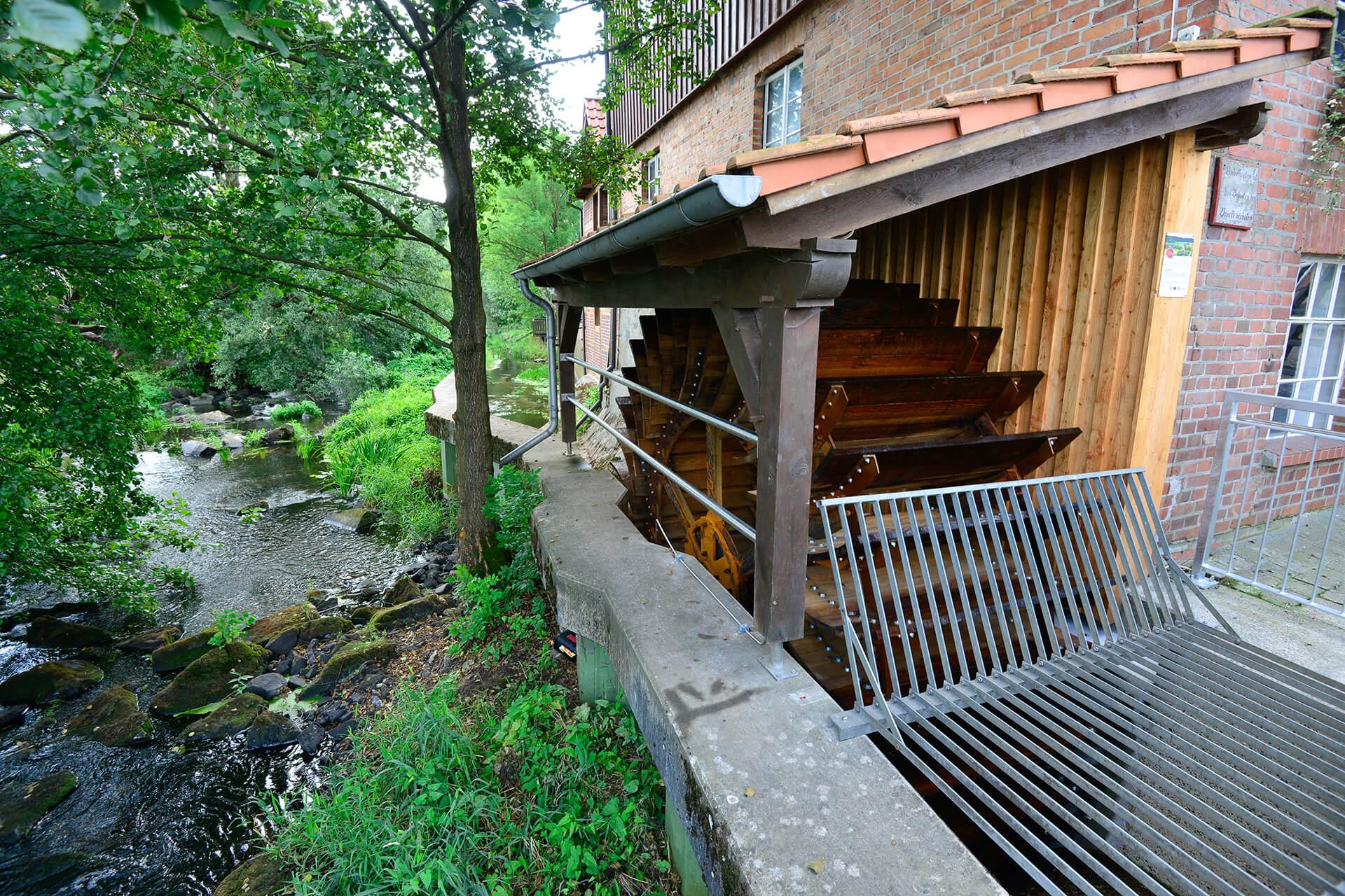 Mühlenrad Wassermühle Wahrenholz