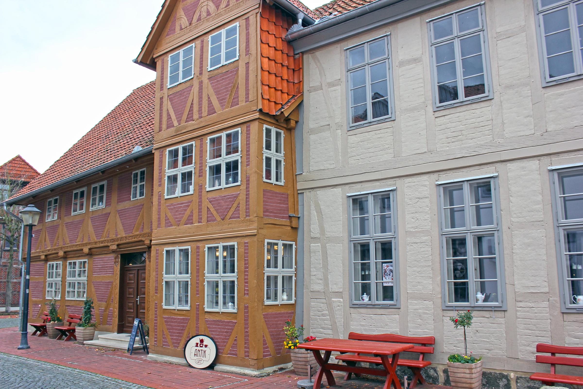 Haus Kreyenberg mit Antik Café in Wittingen