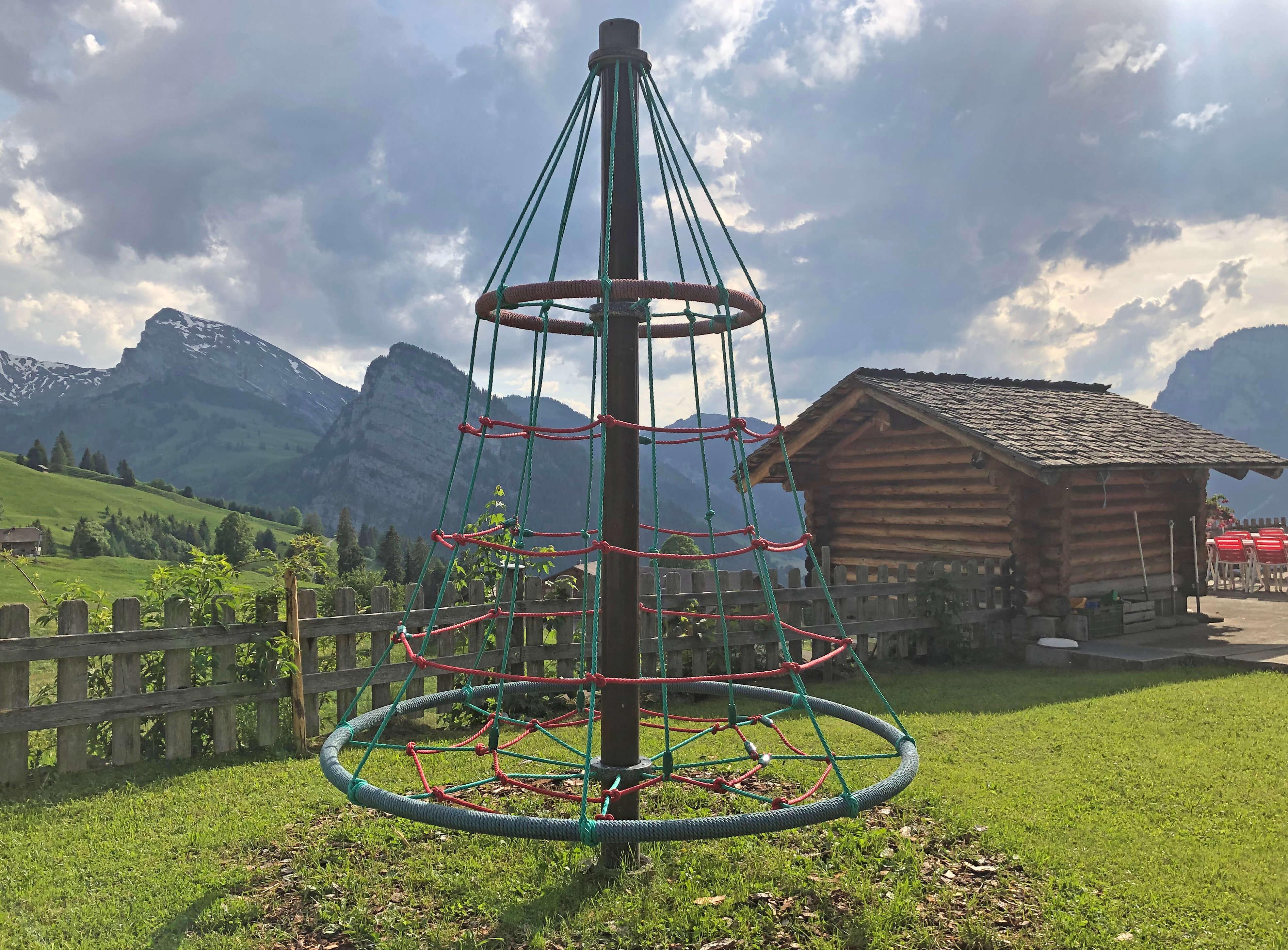 Karusell mit toller Aussicht auf Schwarzenberg und Wiriehorn