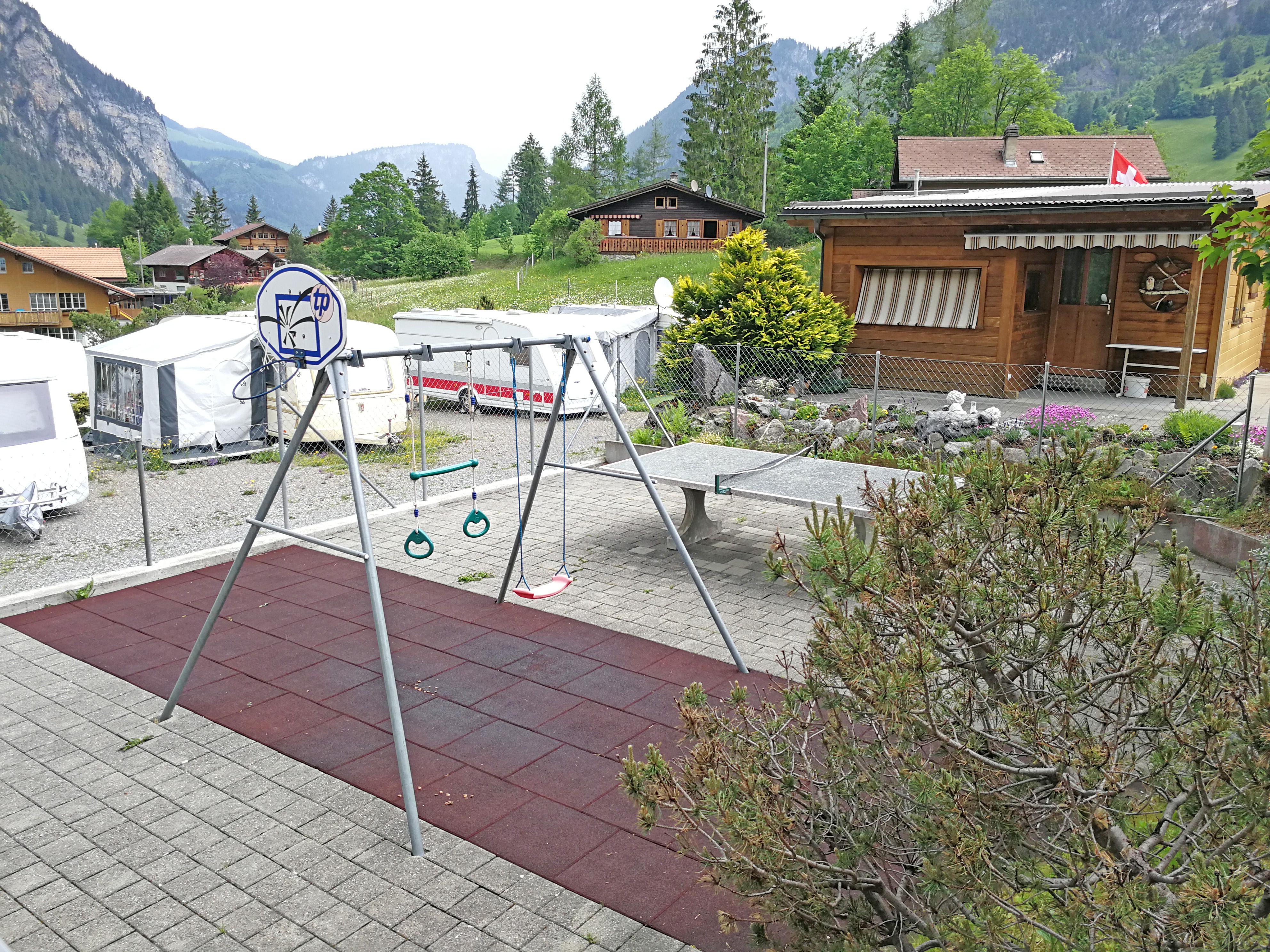 Spielplatz auf dem Campingplatz Eggmatte