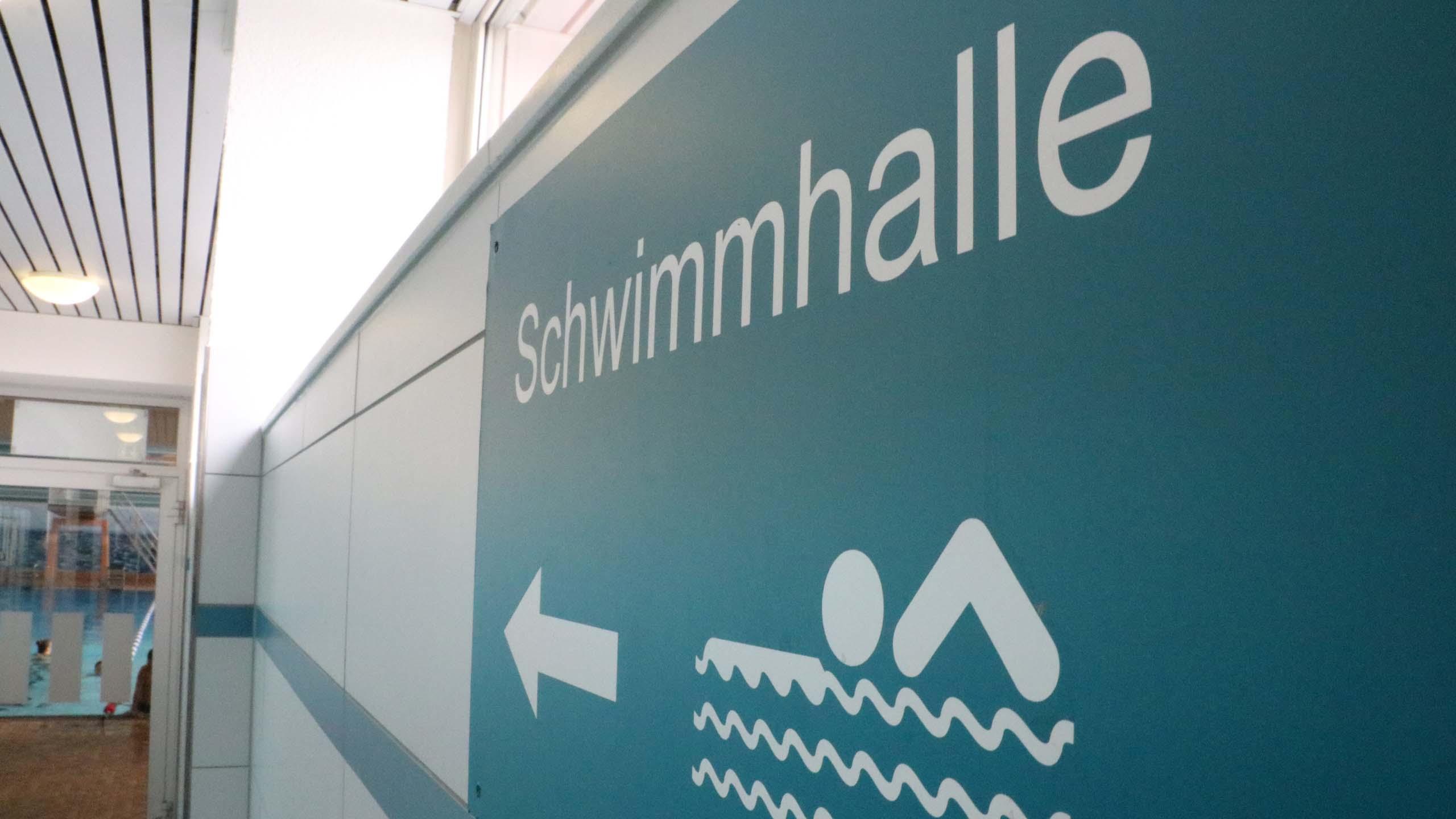 Celler Badeland, Schwimmhalle