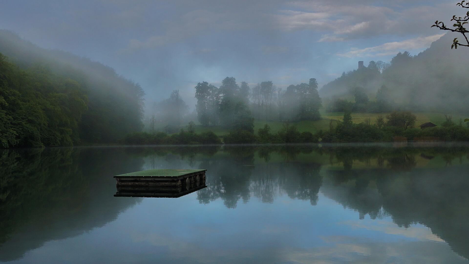 ringgenberg-naturstrandbad-burgseeli-spaetsommer-nebel