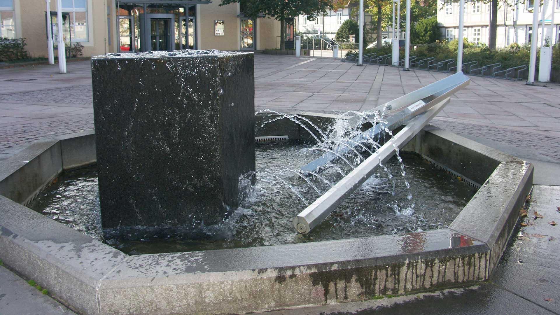 celle-skulptur-brunnen-thaerplatz-2