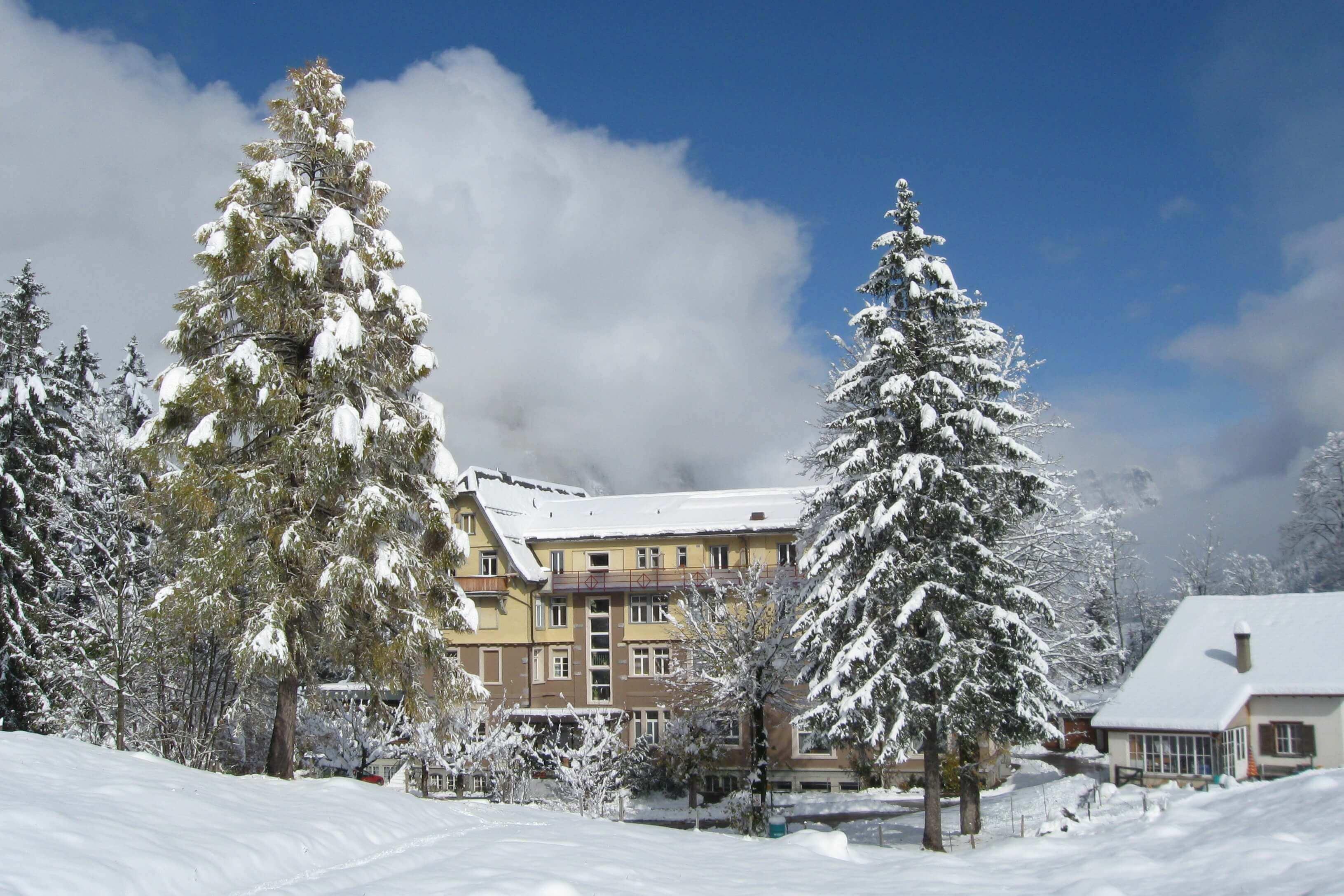 Hotel Kurhaus Grimmialp im Winter