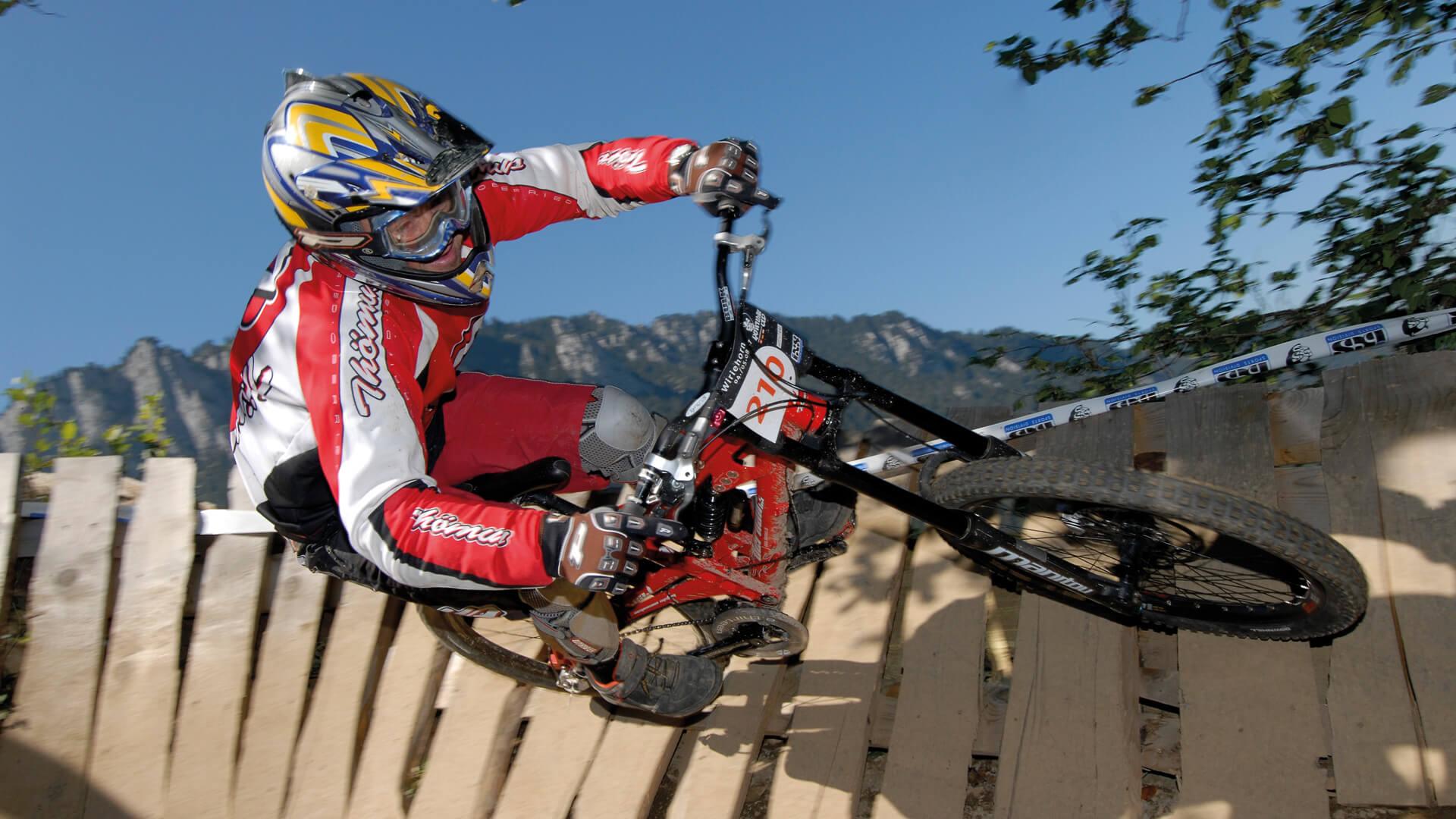 wiriehorn-downhill-bike-sport-sommer-rasant