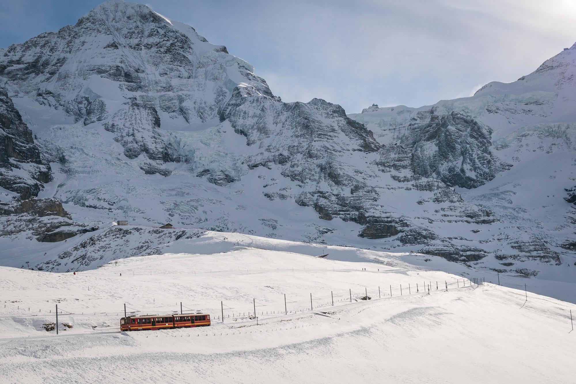 jungfraujoch-jungfraubahnen-winter-bergausflug