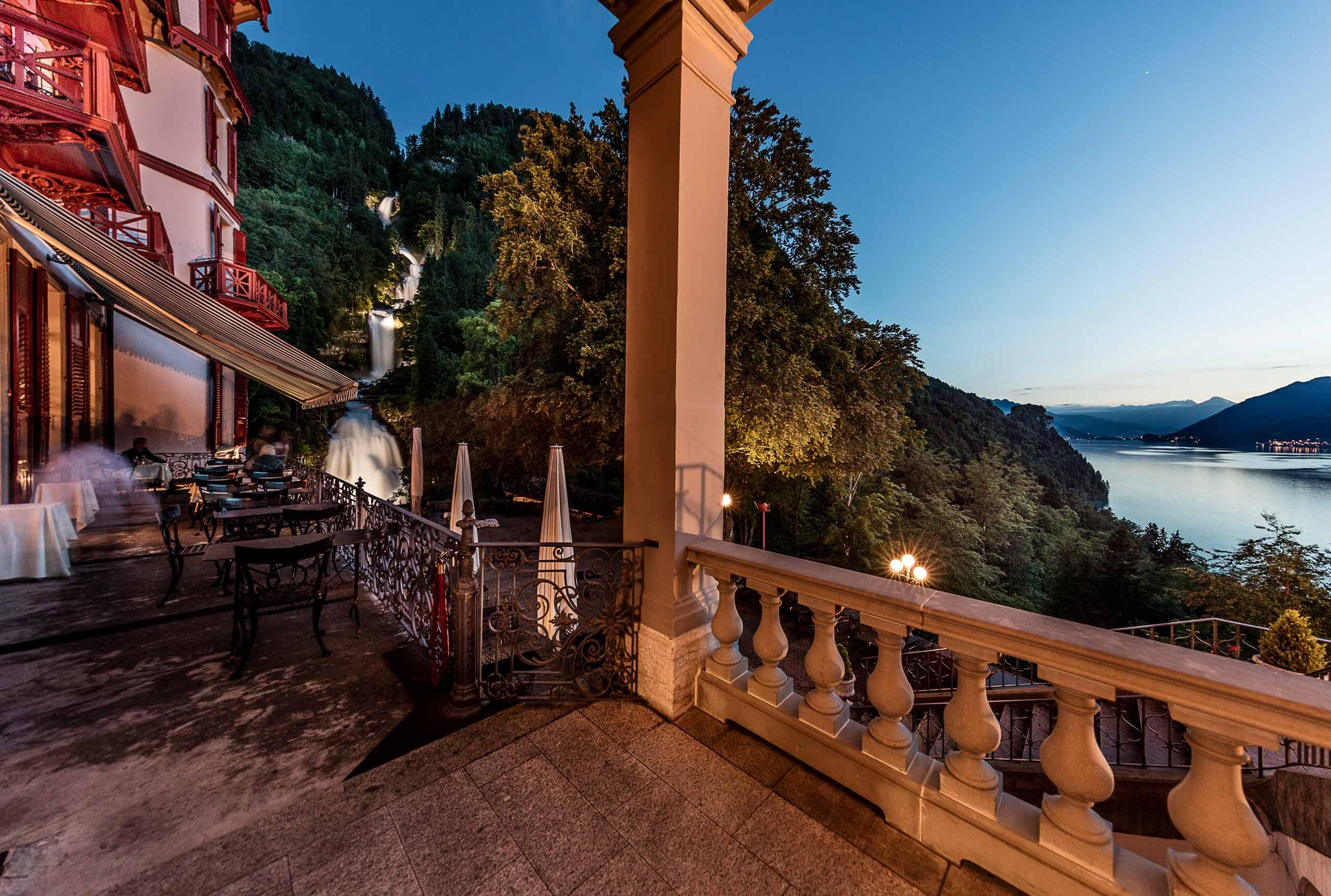 brienz-giessbach-wasserfaelle-grandhotel-terrasse