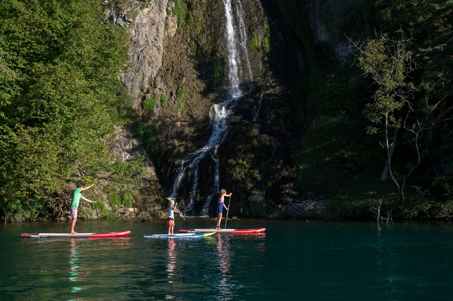 mountainsurf-stand-up-paddle-thunersee-wasseraktivitaet