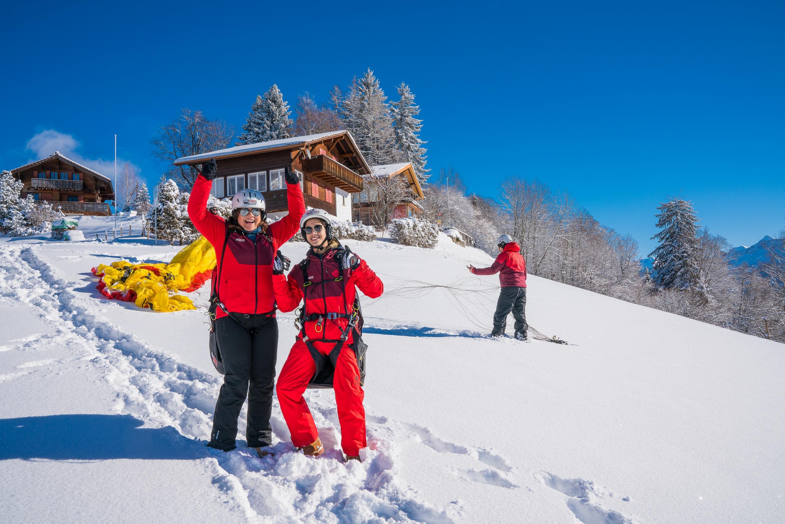 paragliding-interlaken-winter-schnee-sonnenschein