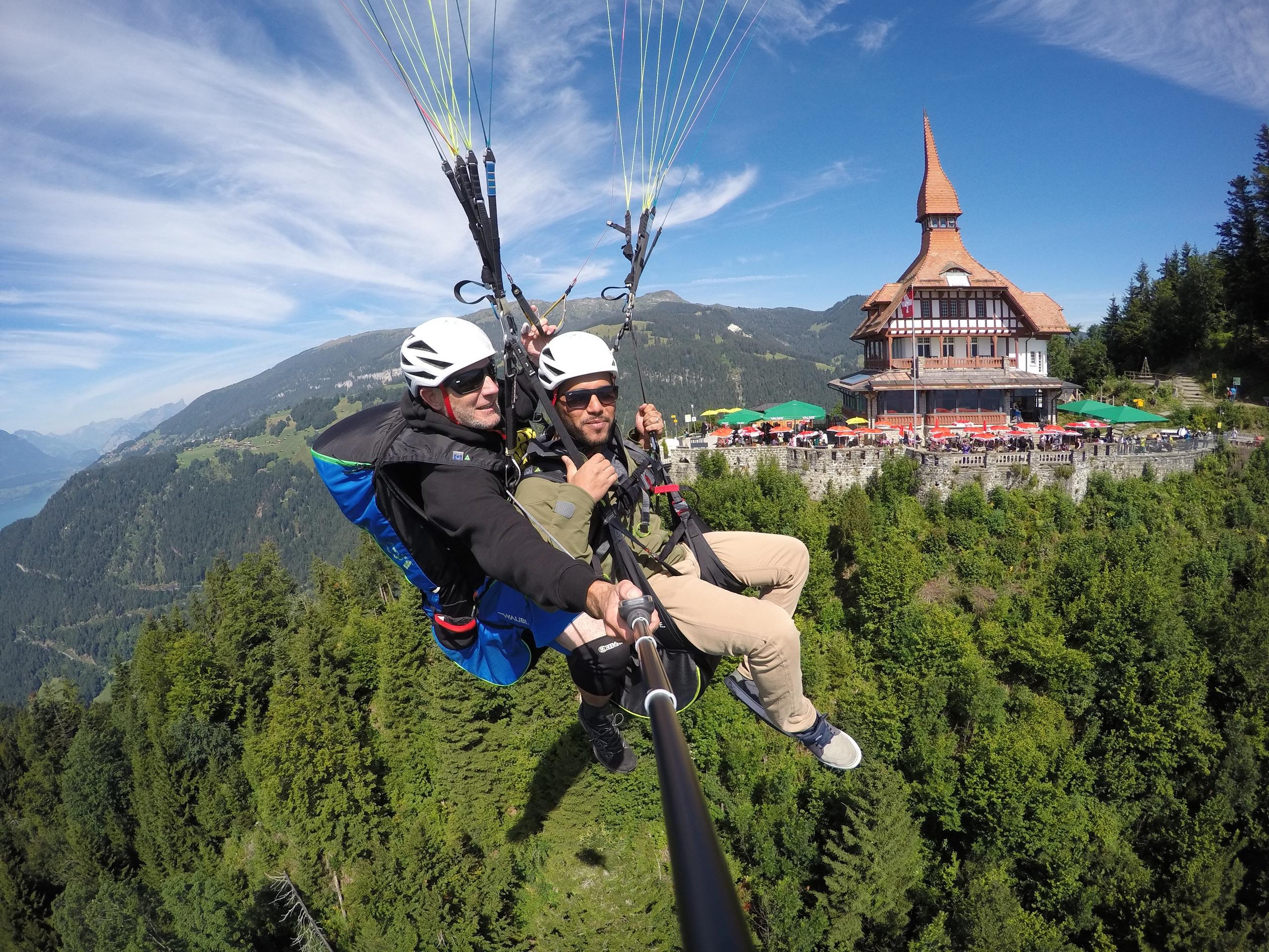 paragliding-interlaken-harder-kulm-sommer