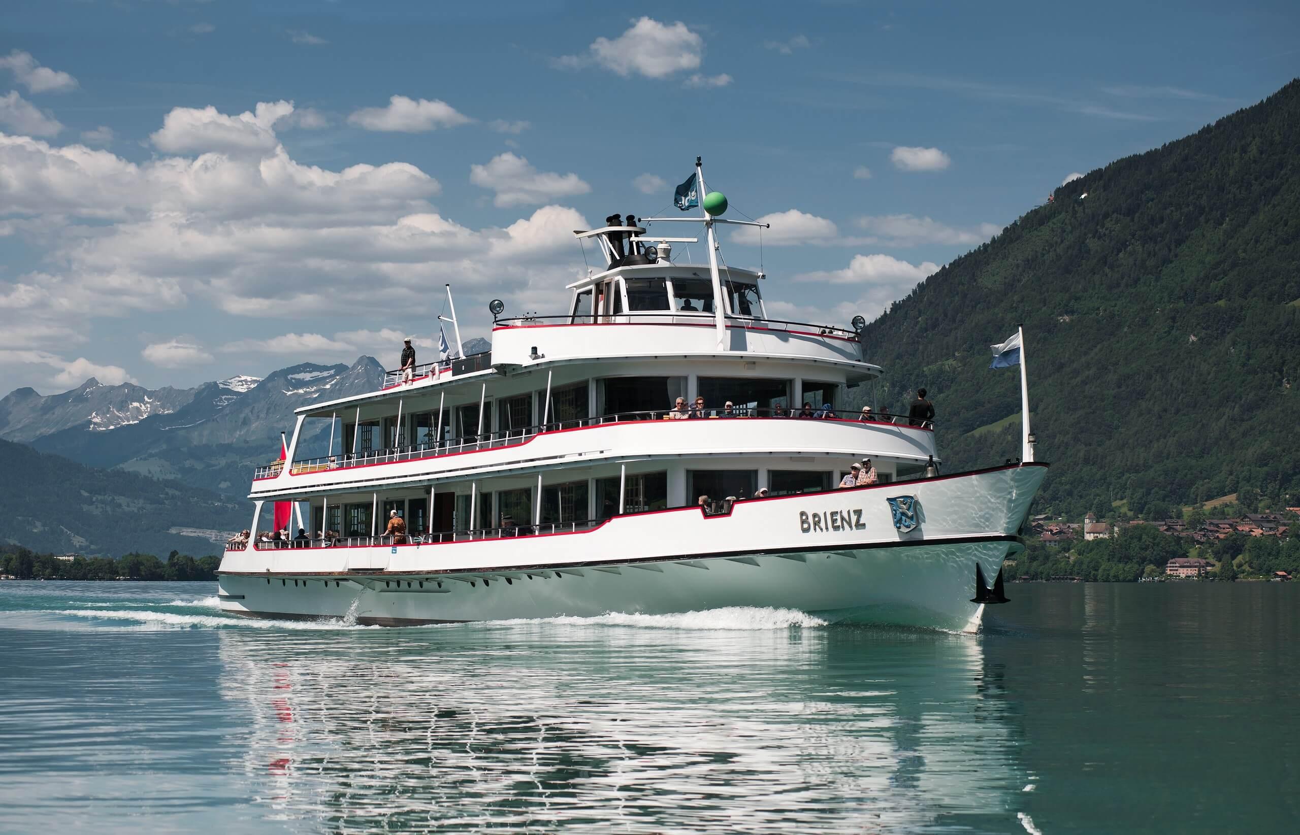 brienzersee-schifffahrt-sommer-msbrienz