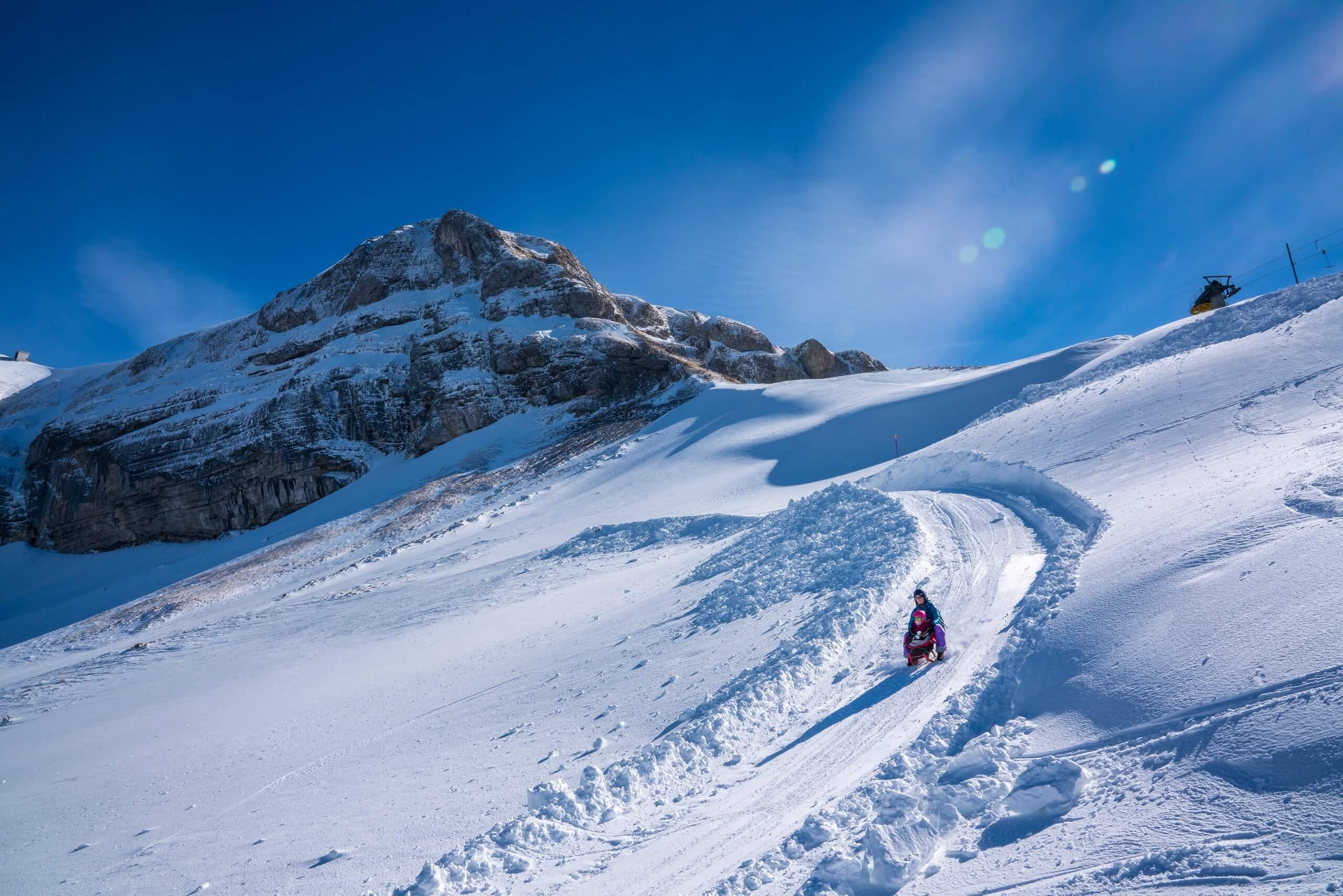 brienz-axalp-winter-schlitteln-schlittelweg