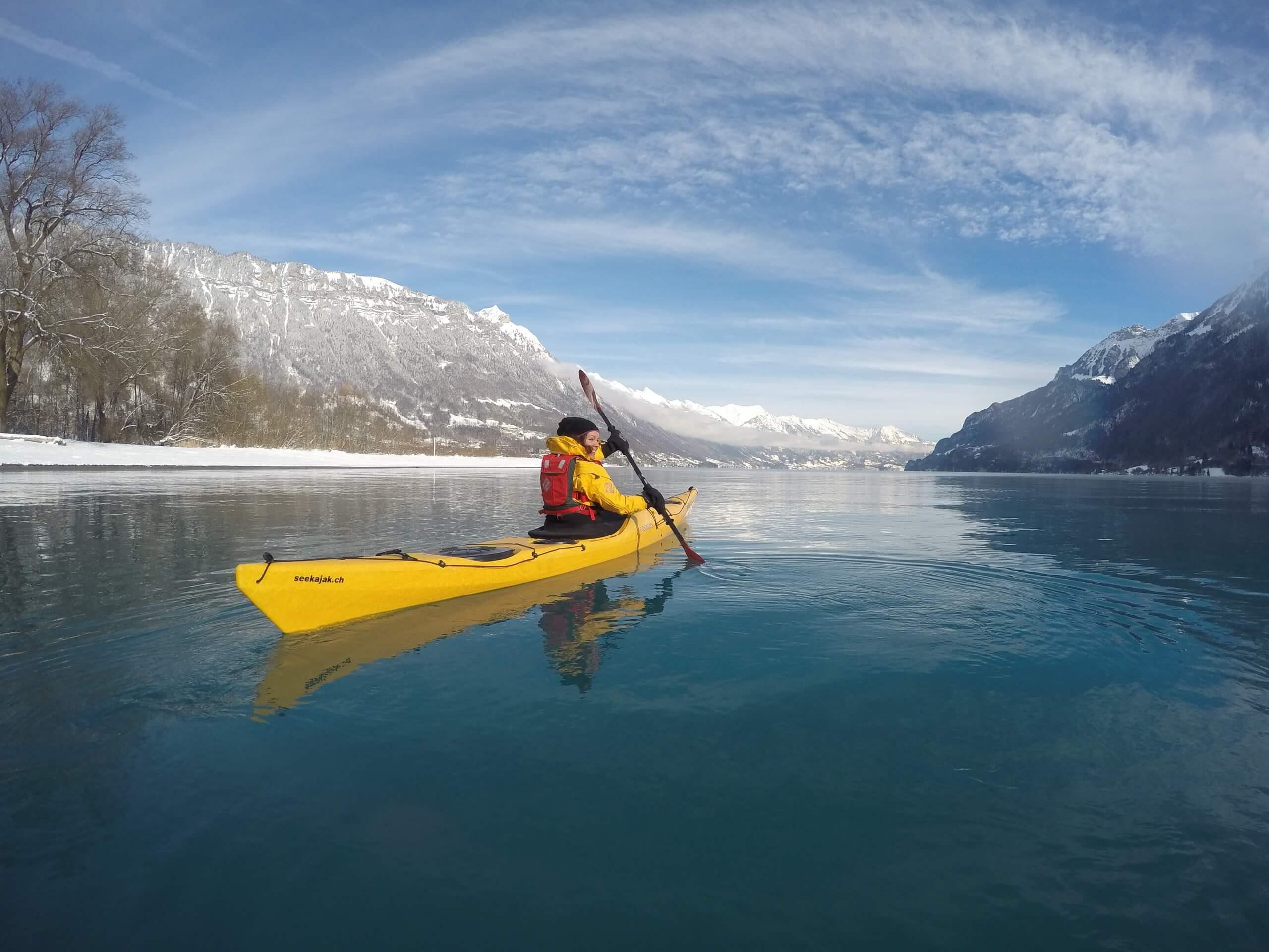 boenigen-kajak-winter-brienzersee-hightide-wasseraktivitaeten-soft-adventure