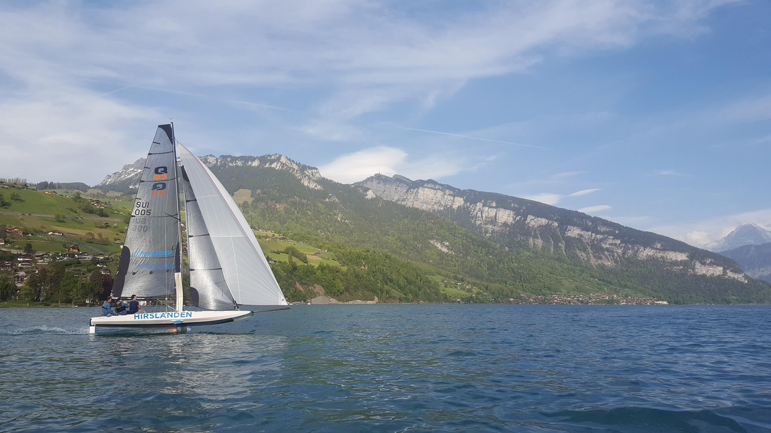segelschule-thunersee-hilterfingen-segelboot-fruehling