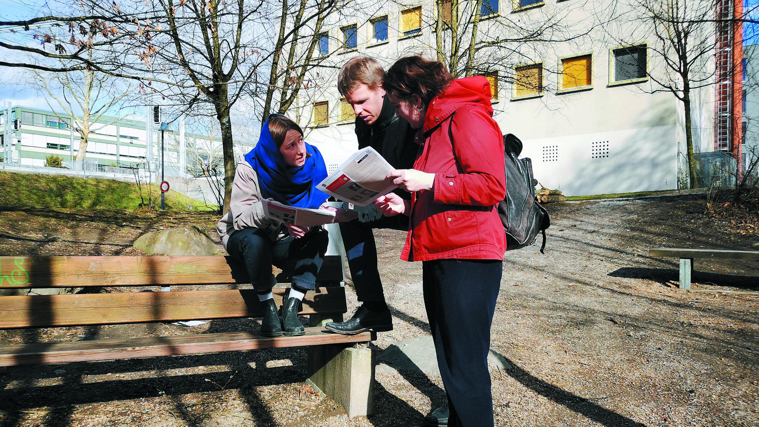 thun-krimi-trail-fruehling-teamwork-fall-loesen