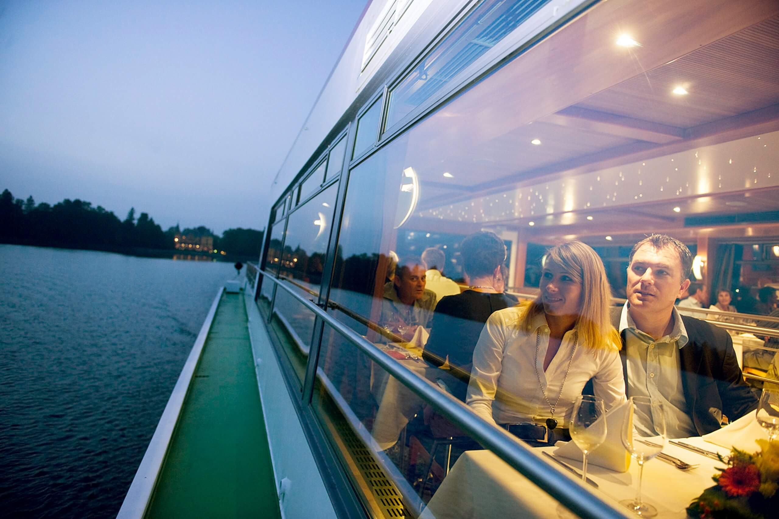 thunersee-bls-schifffahrt-schloss-restaurant